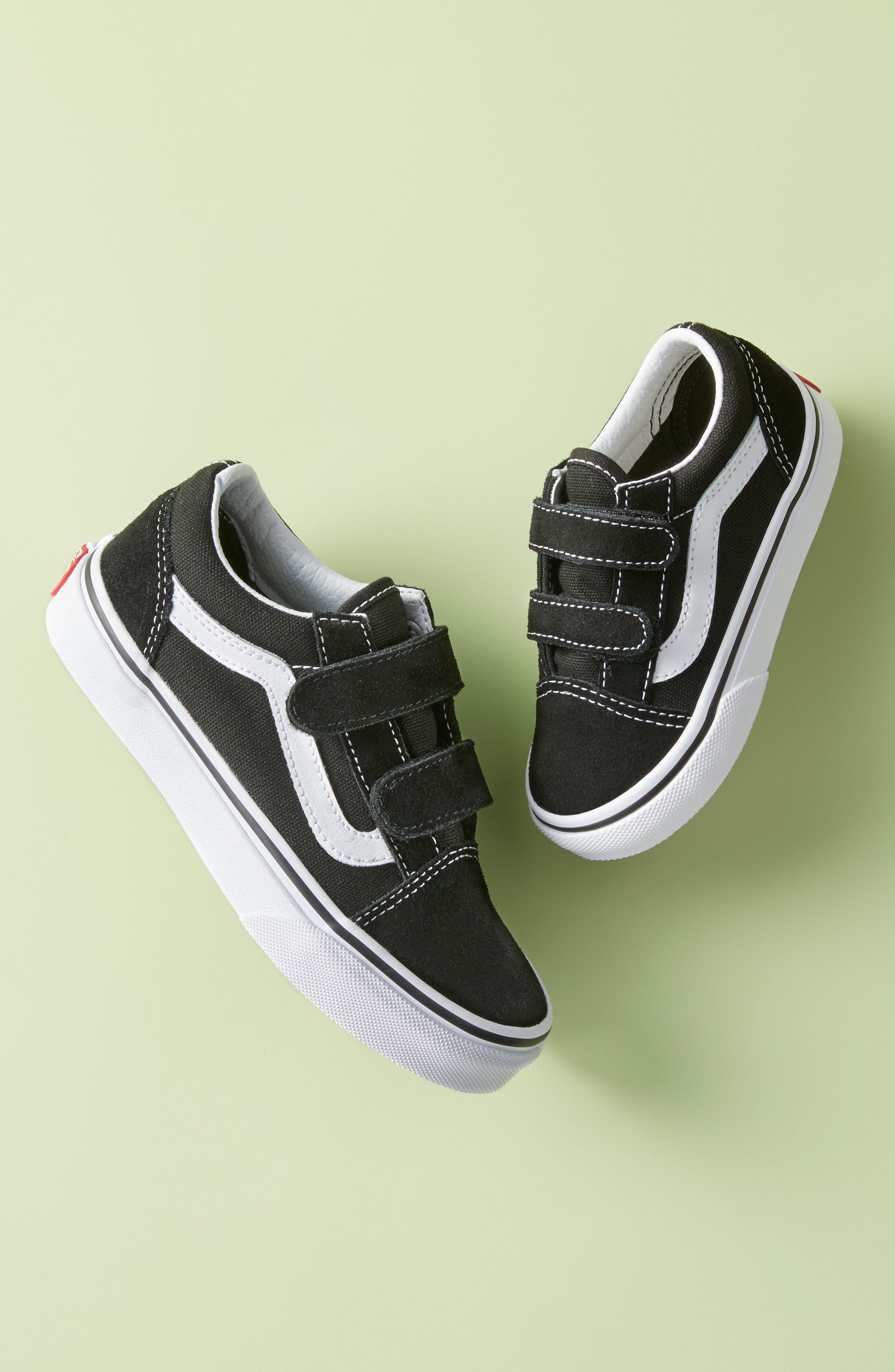 VANS, 'Old Skool V' Sneaker, Alternate thumbnail 10, color, BLACK/ TRUE WHITE