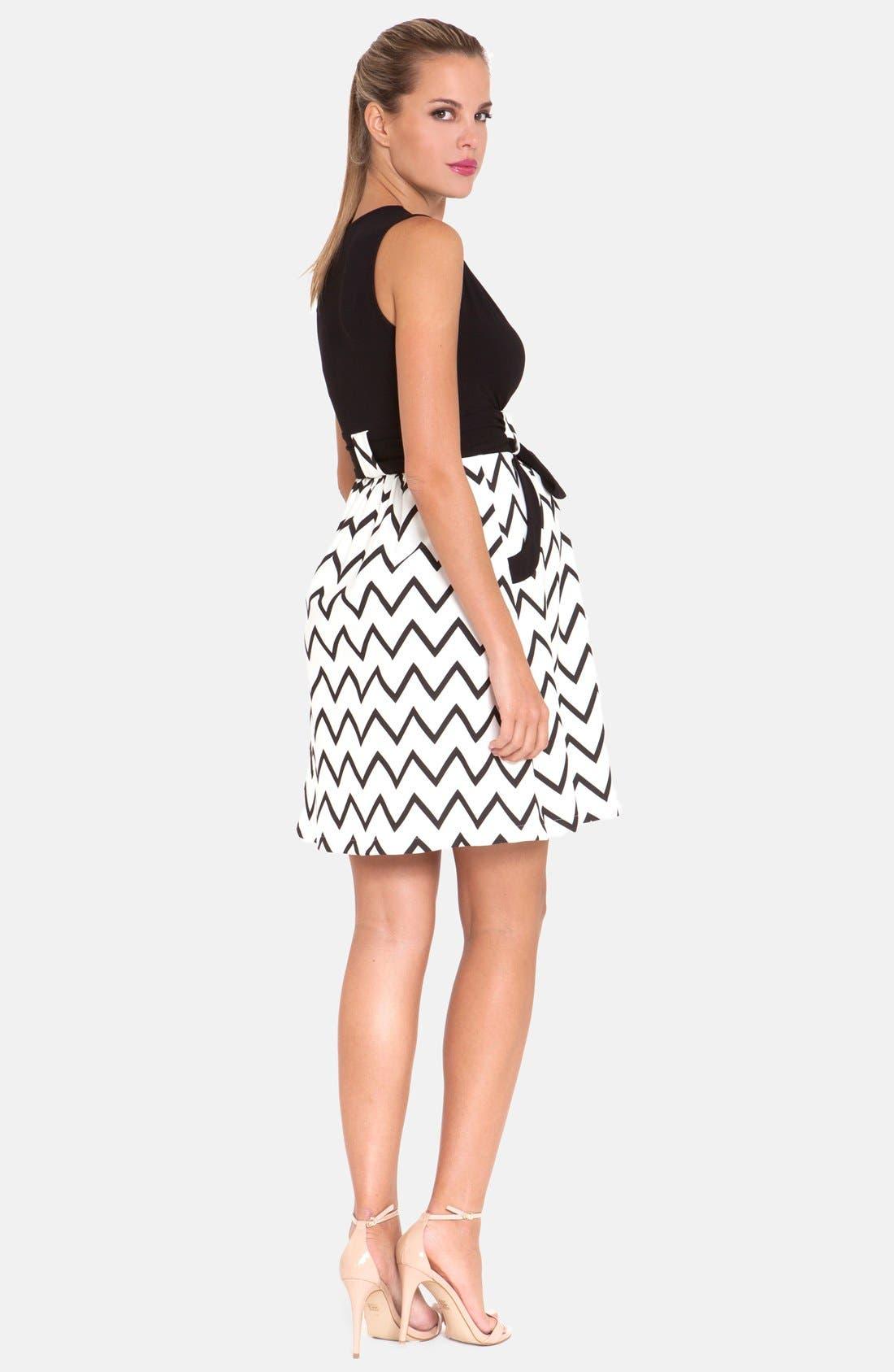 OLIAN, Chevron Print Maternity Dress, Alternate thumbnail 4, color, 001