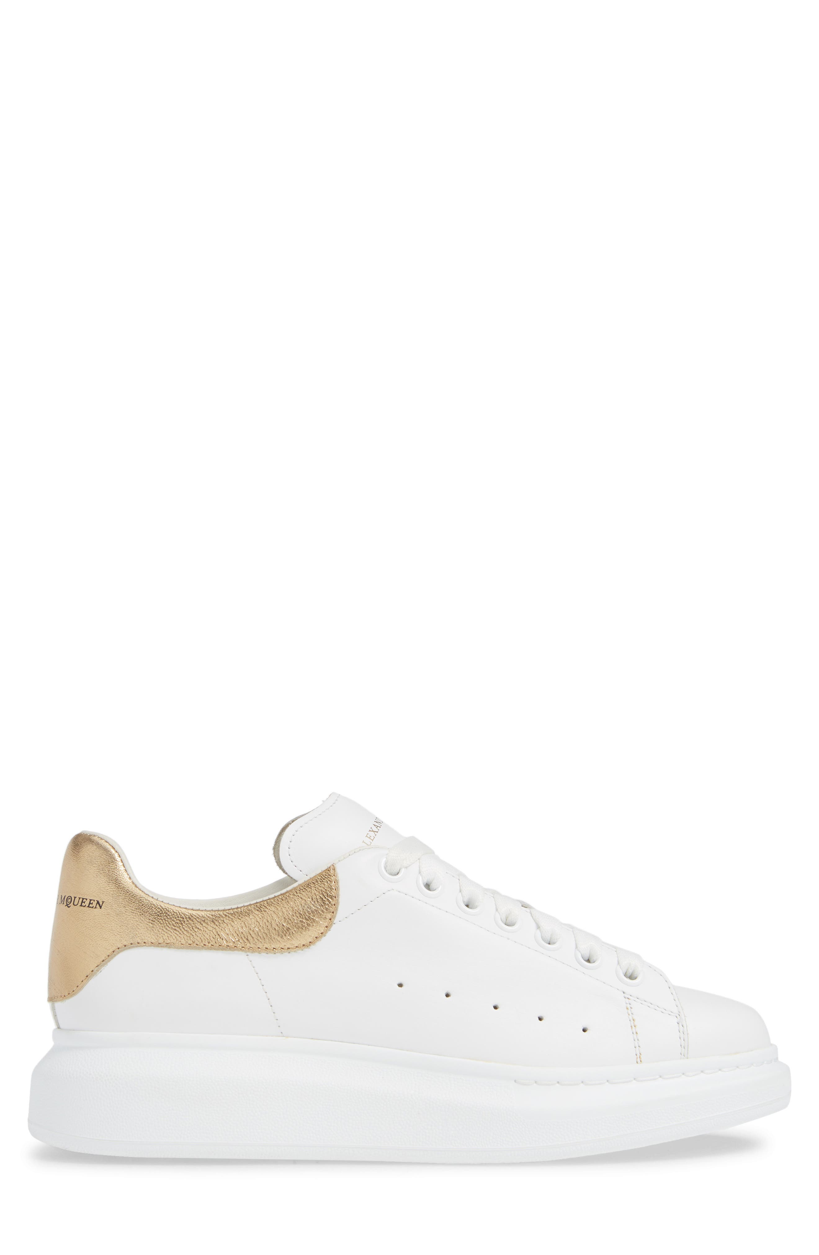ALEXANDER MCQUEEN, Oversized Sneaker, Alternate thumbnail 3, color, WHITE/ GOLD