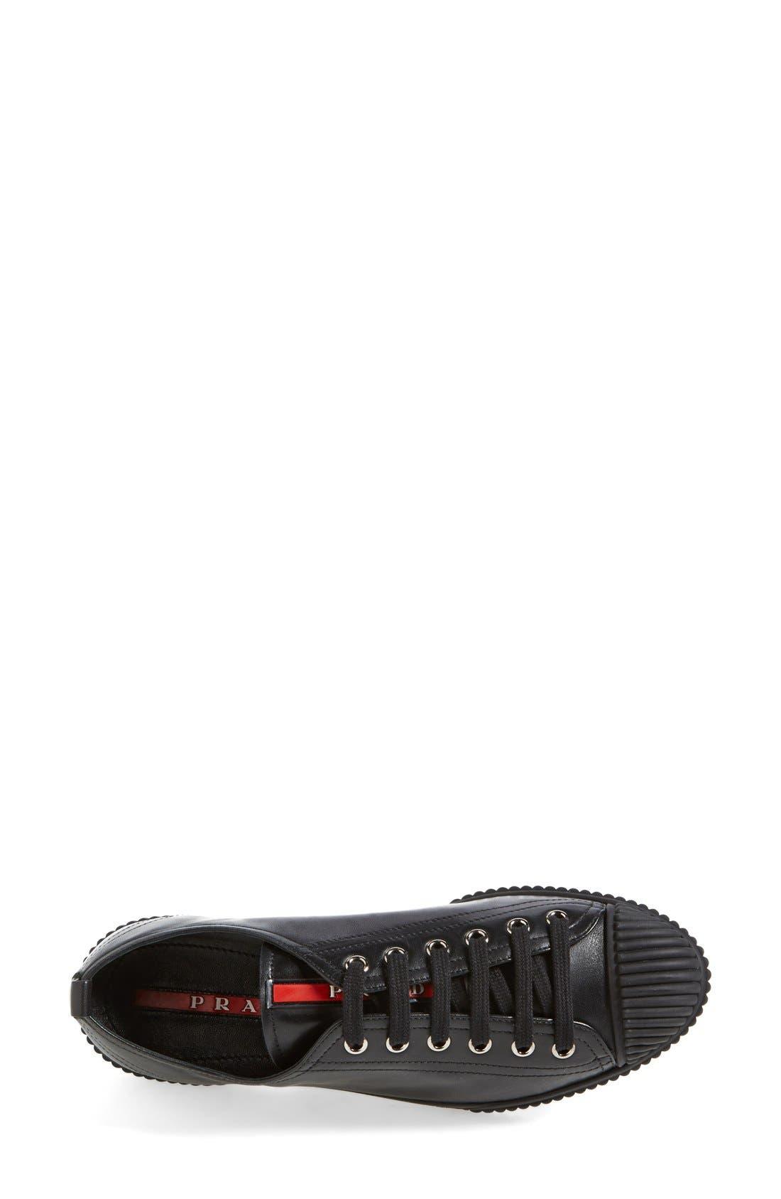 PRADA, Cap Toe Sneaker, Alternate thumbnail 4, color, 001