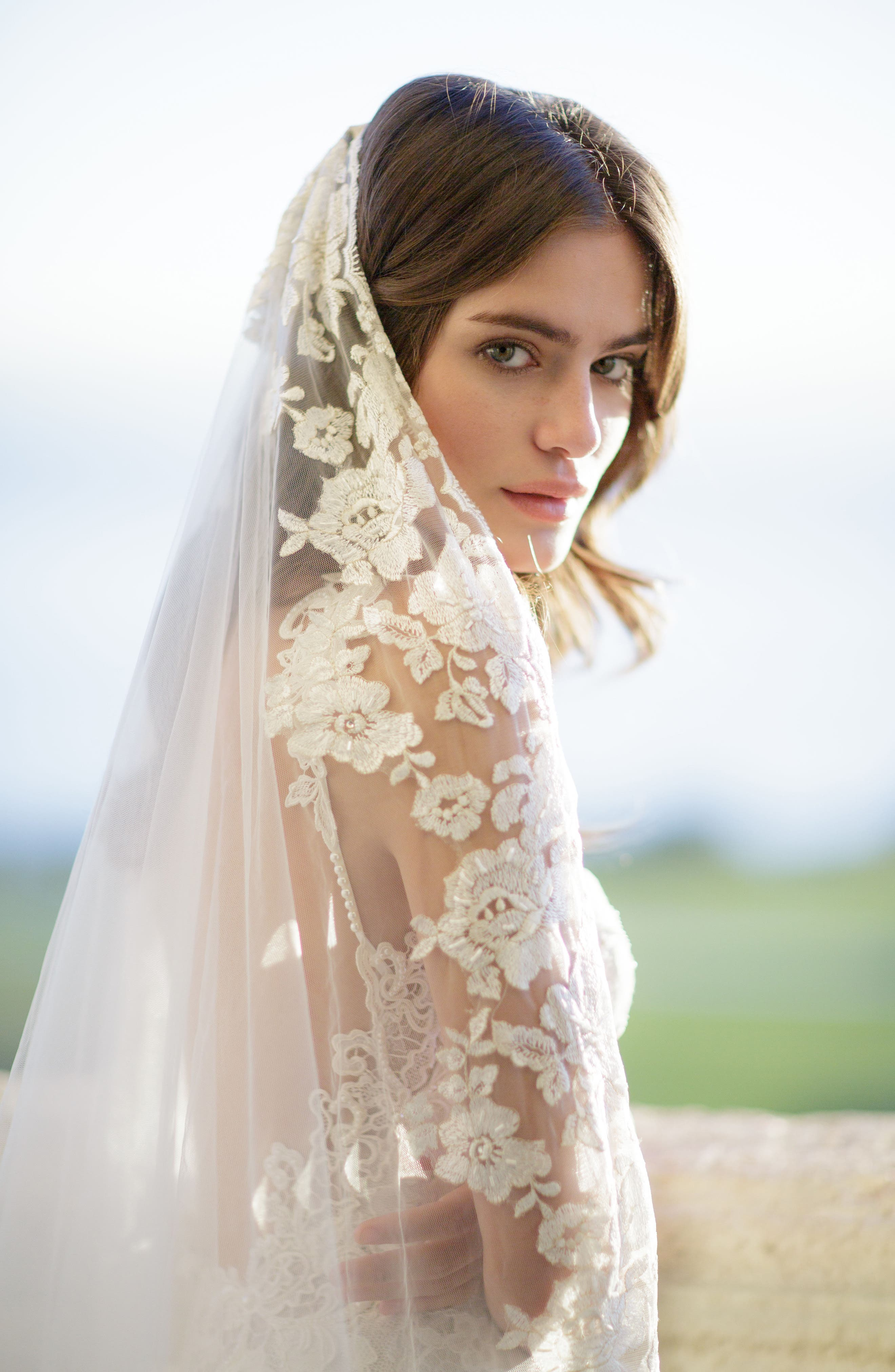 BRIDES & HAIRPINS, Florentina Embroidered Cathedral Veil, Alternate thumbnail 5, color, IVORY