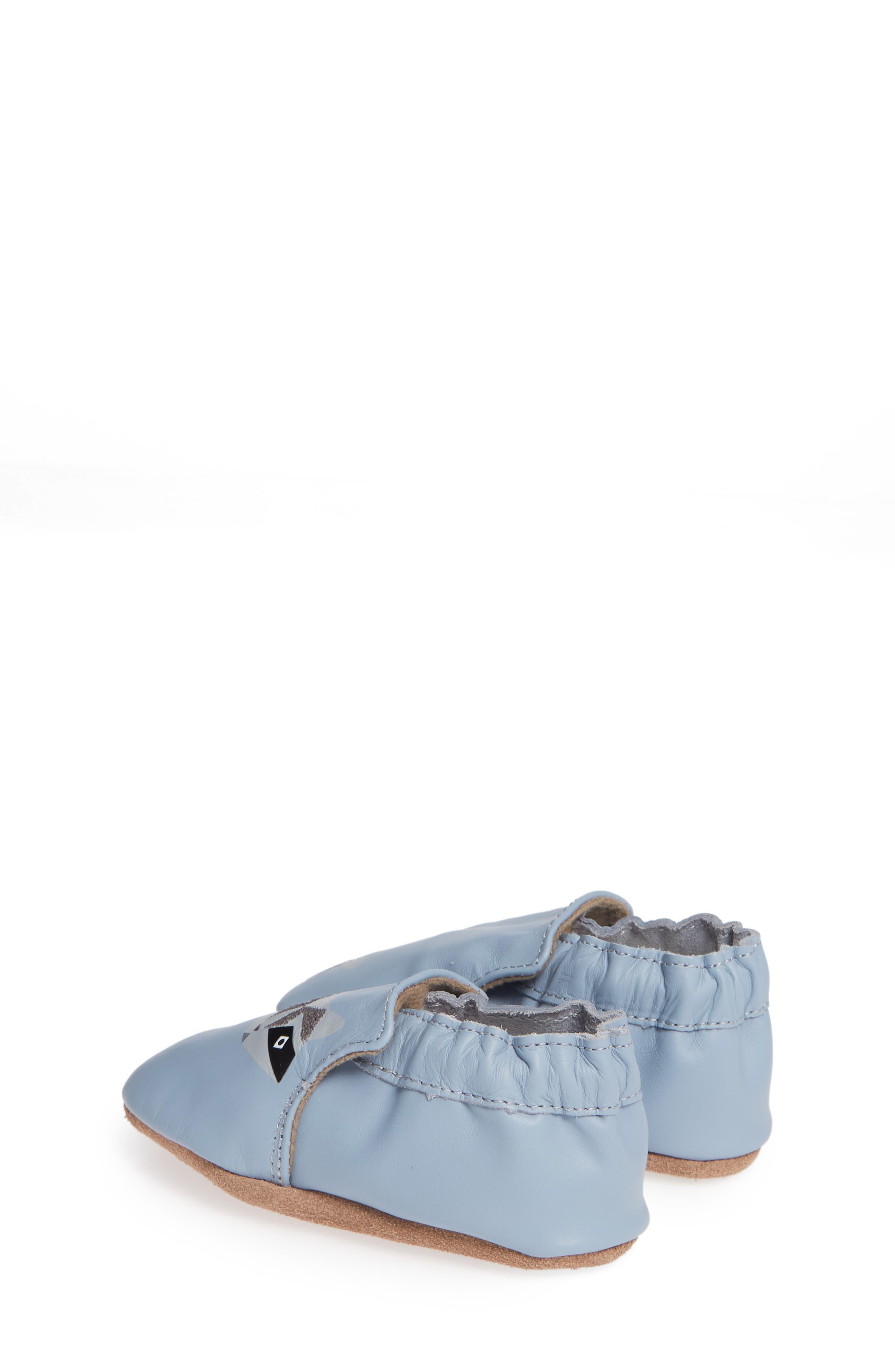 ROBEEZ<SUP>®</SUP>, Raccoon Buddies Crib Shoe, Alternate thumbnail 2, color, BLUE