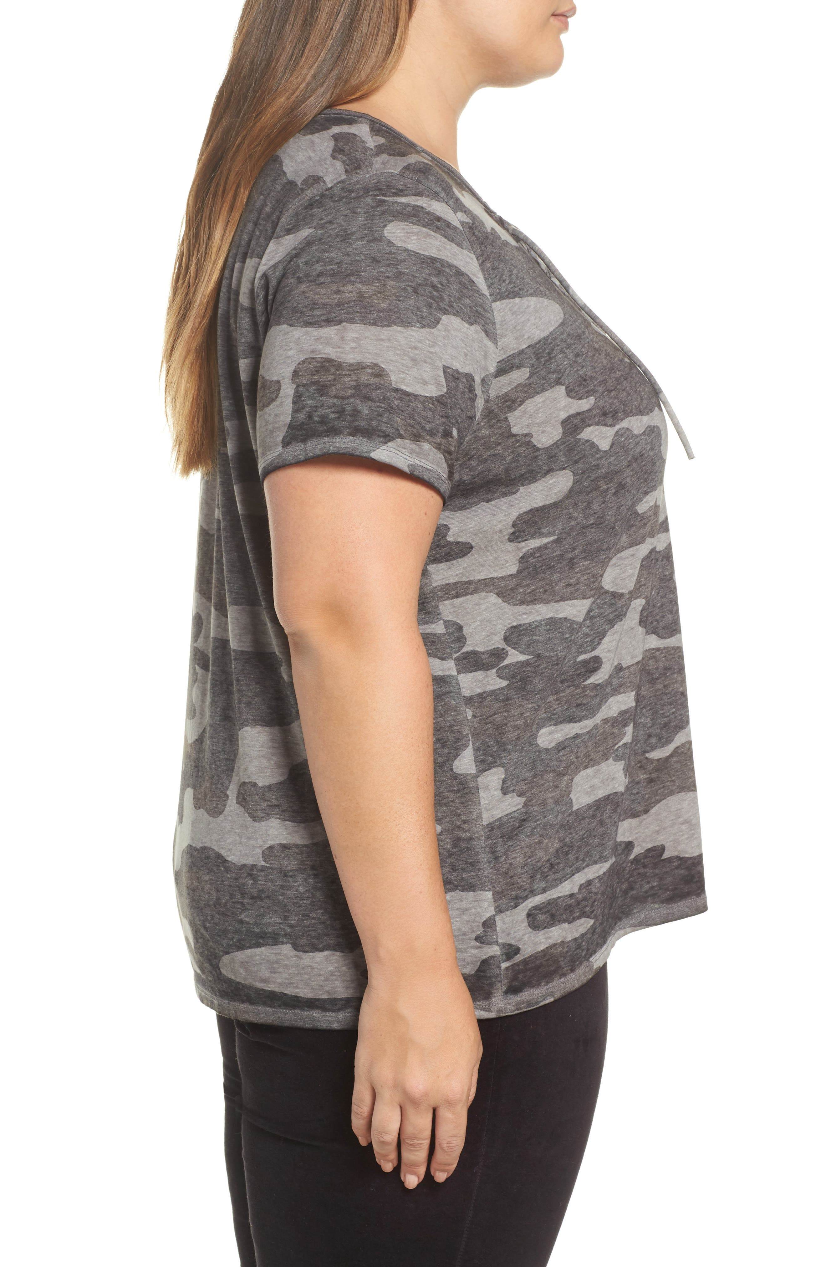 LUCKY BRAND, Lace-Up Camo Tee, Alternate thumbnail 3, color, GREY MULTI