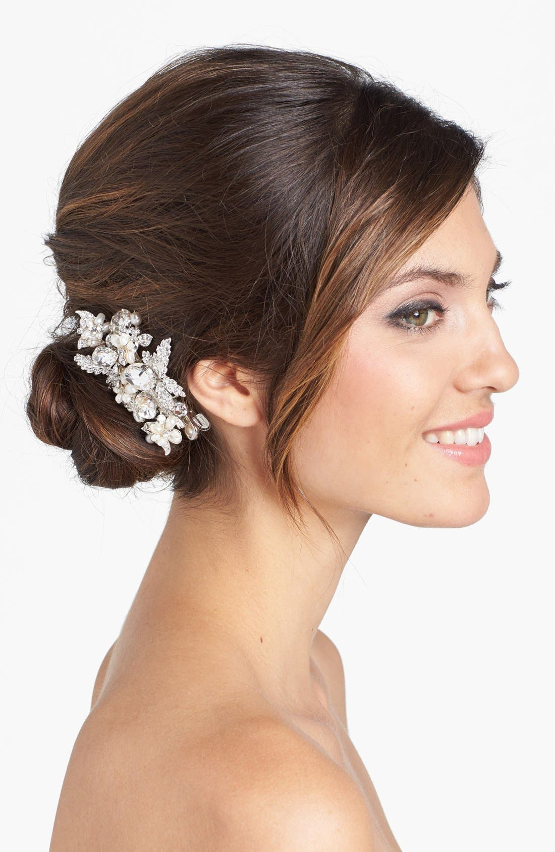WEDDING BELLES NEW YORK, 'Luella' Czech Crystal & Freshwater Pearl Clip, Main thumbnail 1, color, SILVER