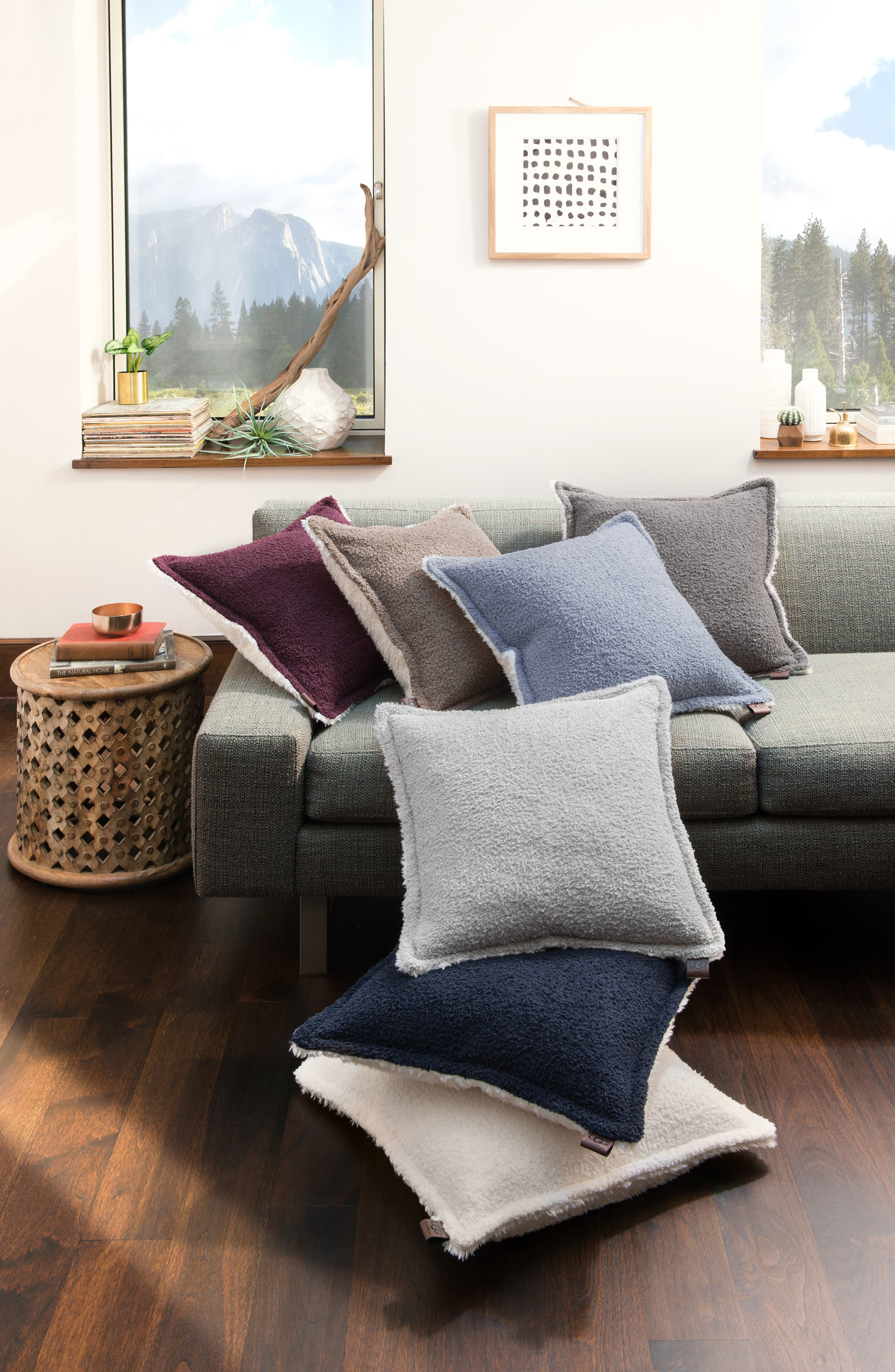 UGG<SUP>®</SUP>, Bliss PIllow, Alternate thumbnail 3, color, CHARCOAL