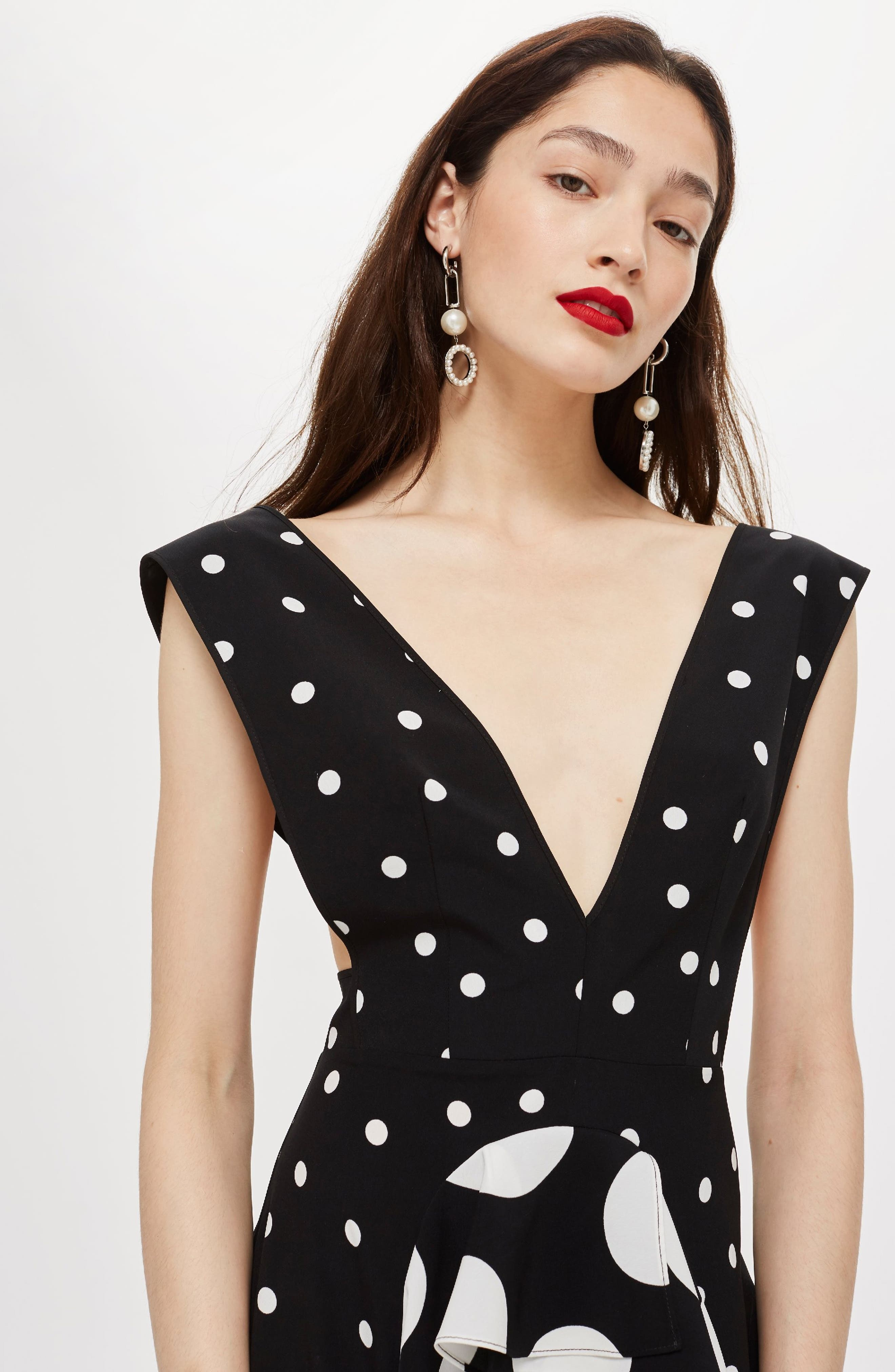 TOPSHOP, Spot Plunge Neck Midi Dress, Alternate thumbnail 6, color, 001