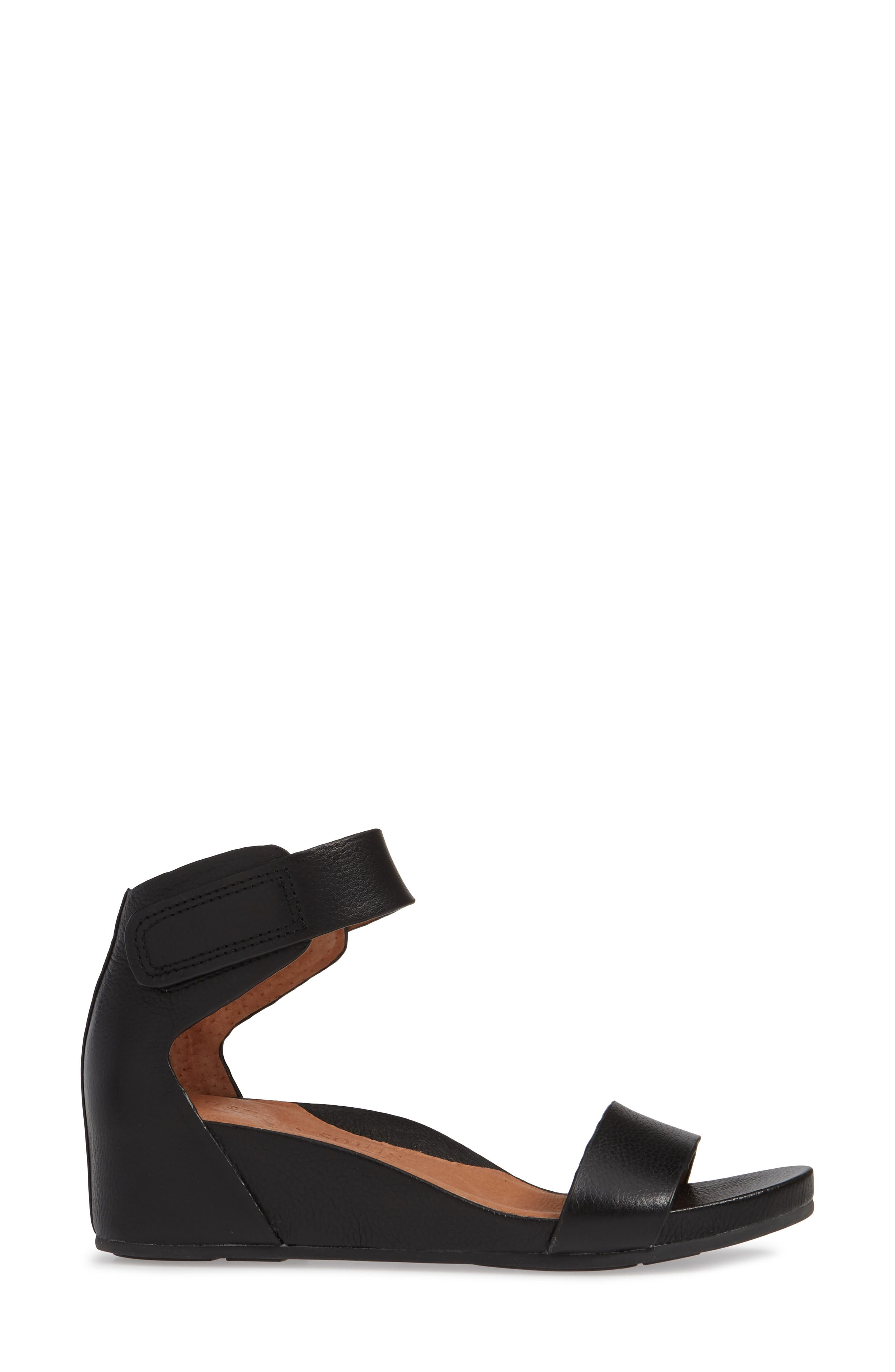 GENTLE SOULS SIGNATURE, Gianna Wedge Sandal, Alternate thumbnail 3, color, BLACK LEATHER