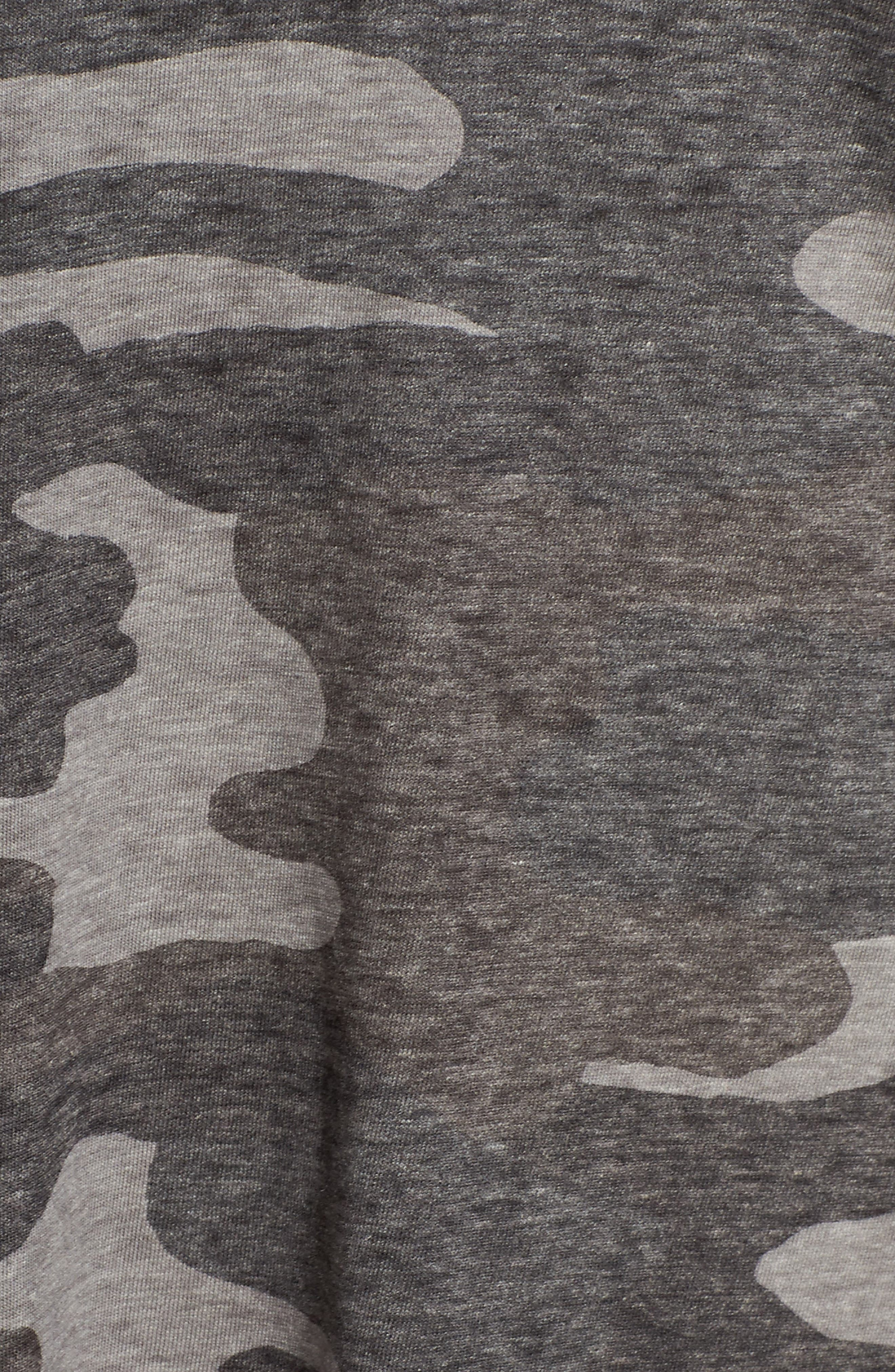 LUCKY BRAND, Lace-Up Camo Tee, Alternate thumbnail 5, color, GREY MULTI