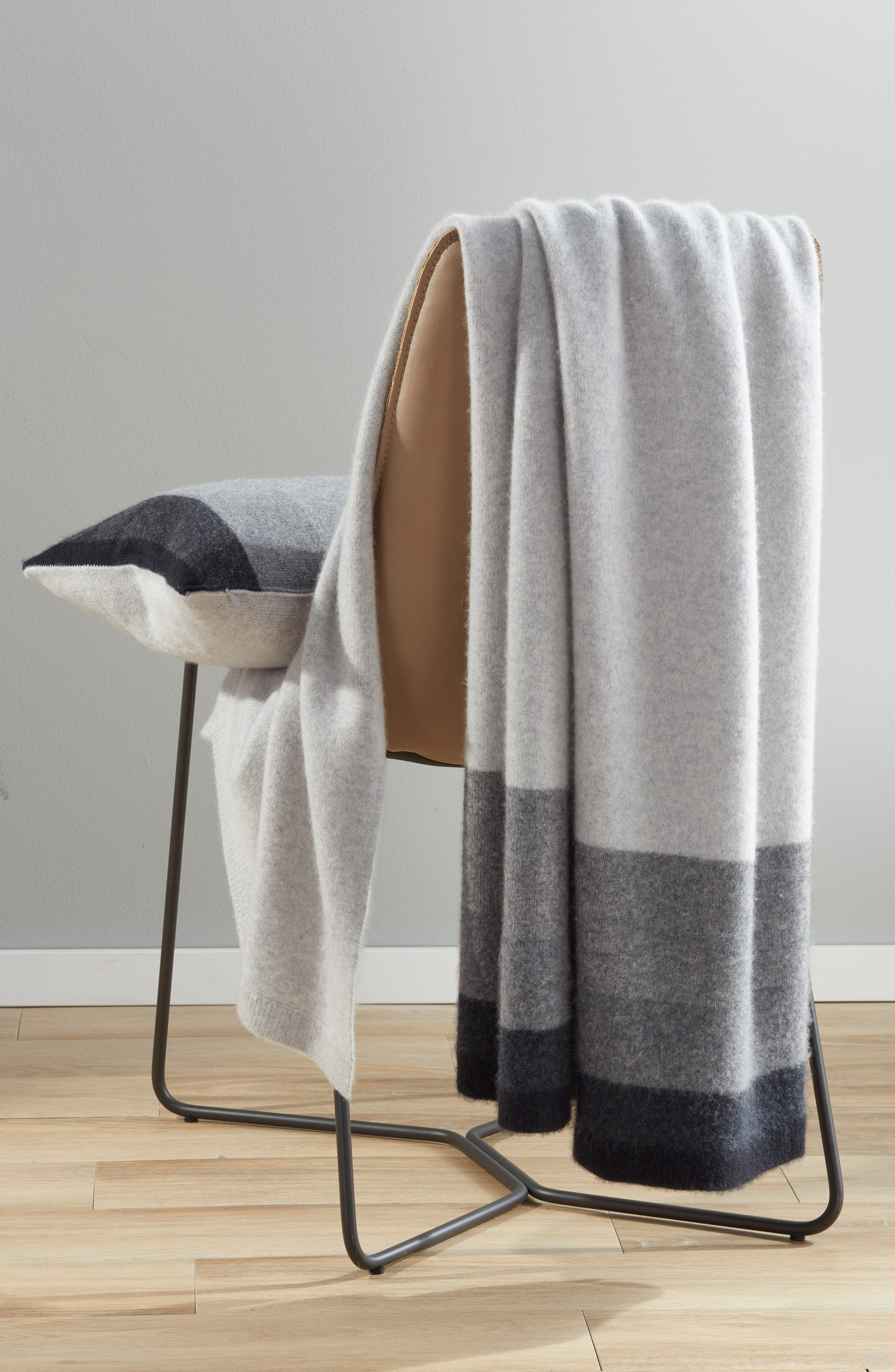 NORDSTROM SIGNATURE, Ombré Stripe Cashmere Throw, Alternate thumbnail 3, color, GREY CLAY MULTI