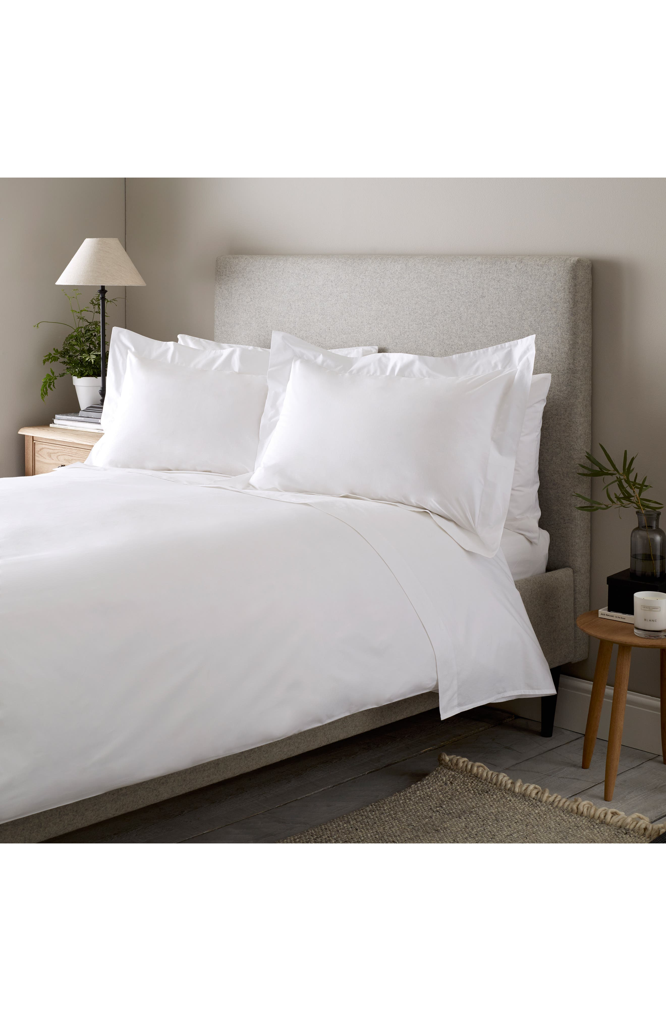 THE WHITE COMPANY 200 Thread Count Egyptian Cotton Flat Sheet, Main, color, WHITE
