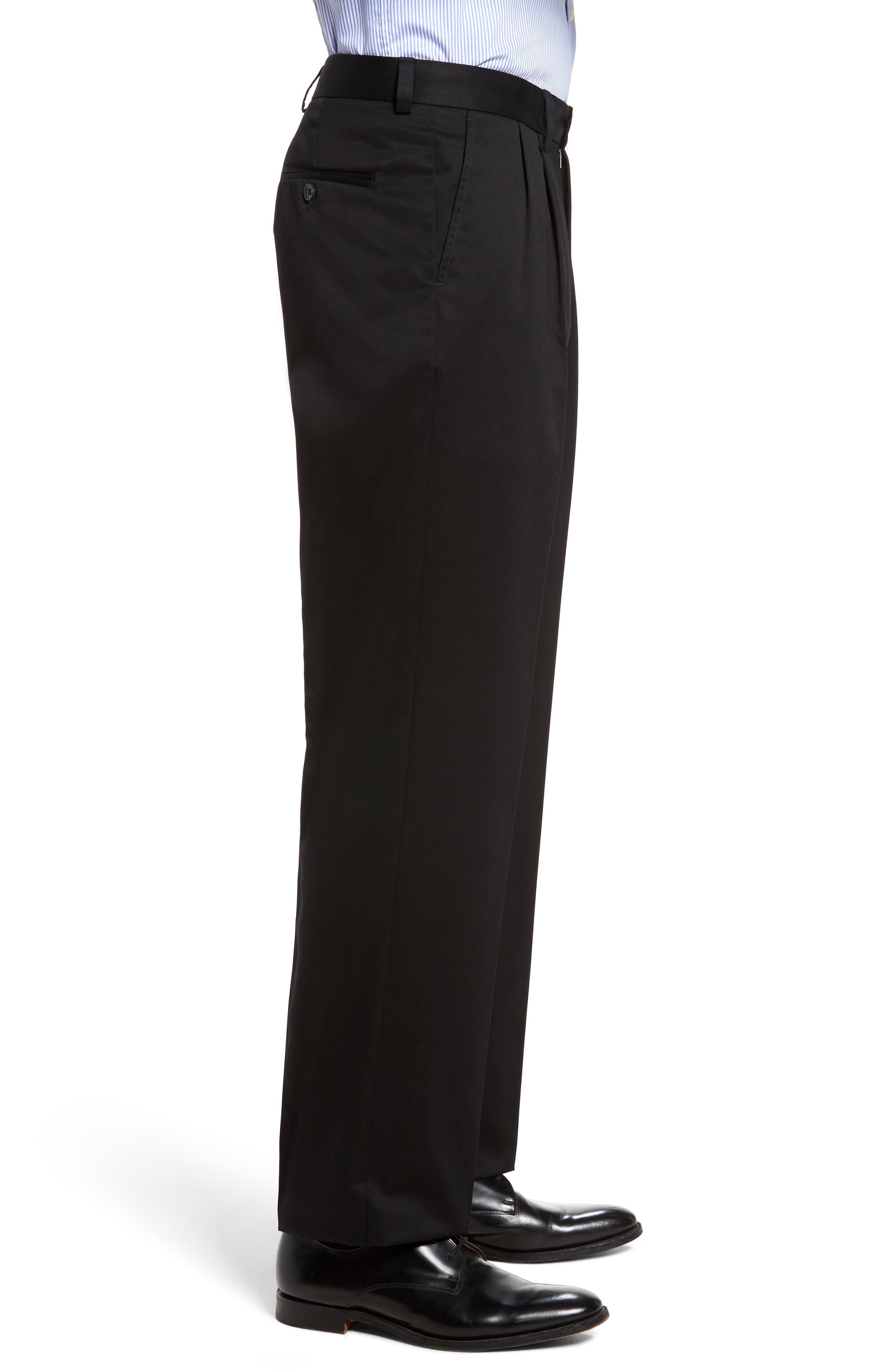 NORDSTROM MEN'S SHOP, 'Classic' Smartcare<sup>™</sup> Relaxed Fit Double Pleated Cotton Pants, Alternate thumbnail 4, color, BLACK