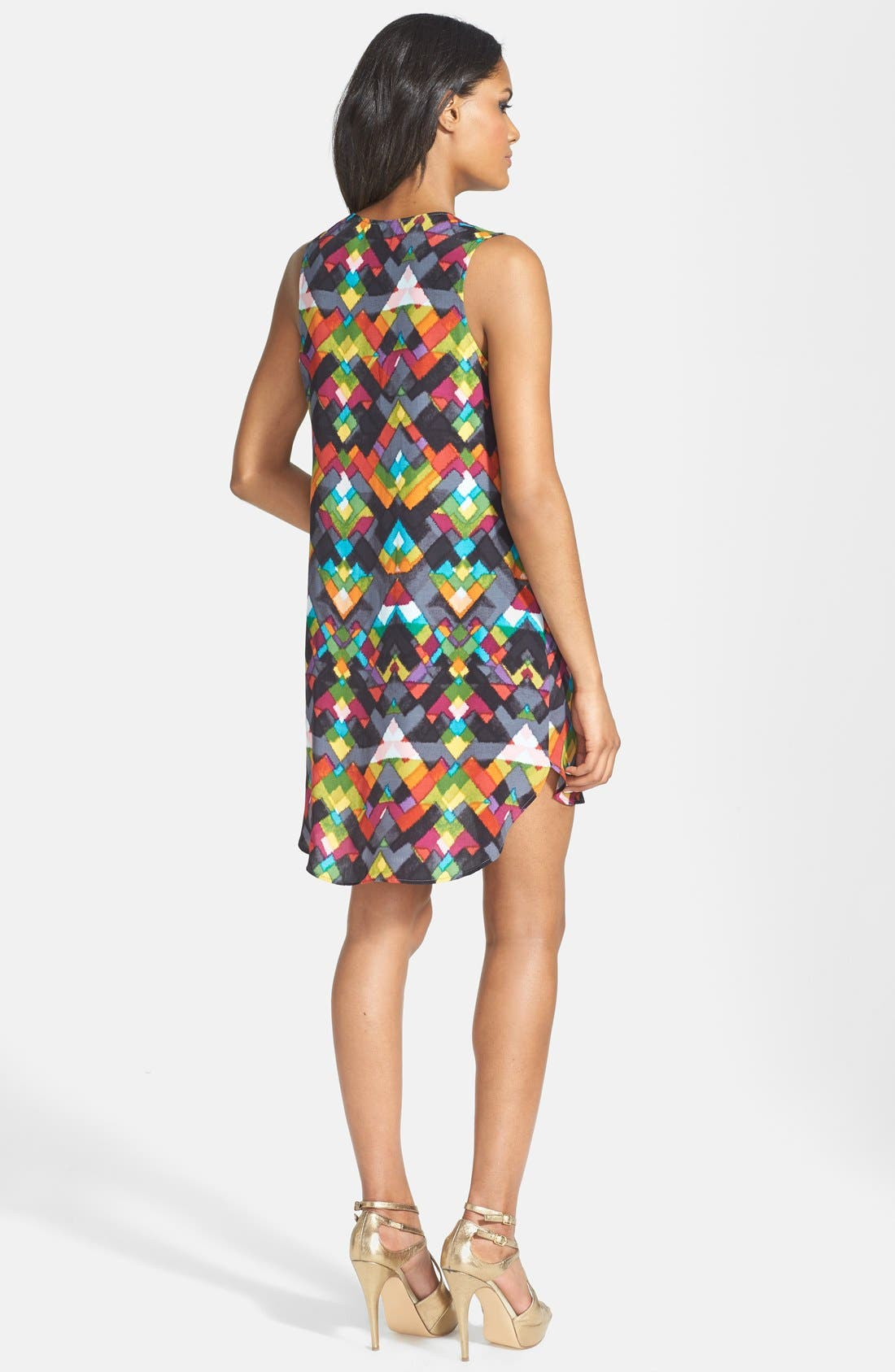 WAYF, Diamond Print Crepe V-Neck Shift Dress, Alternate thumbnail 3, color, 500