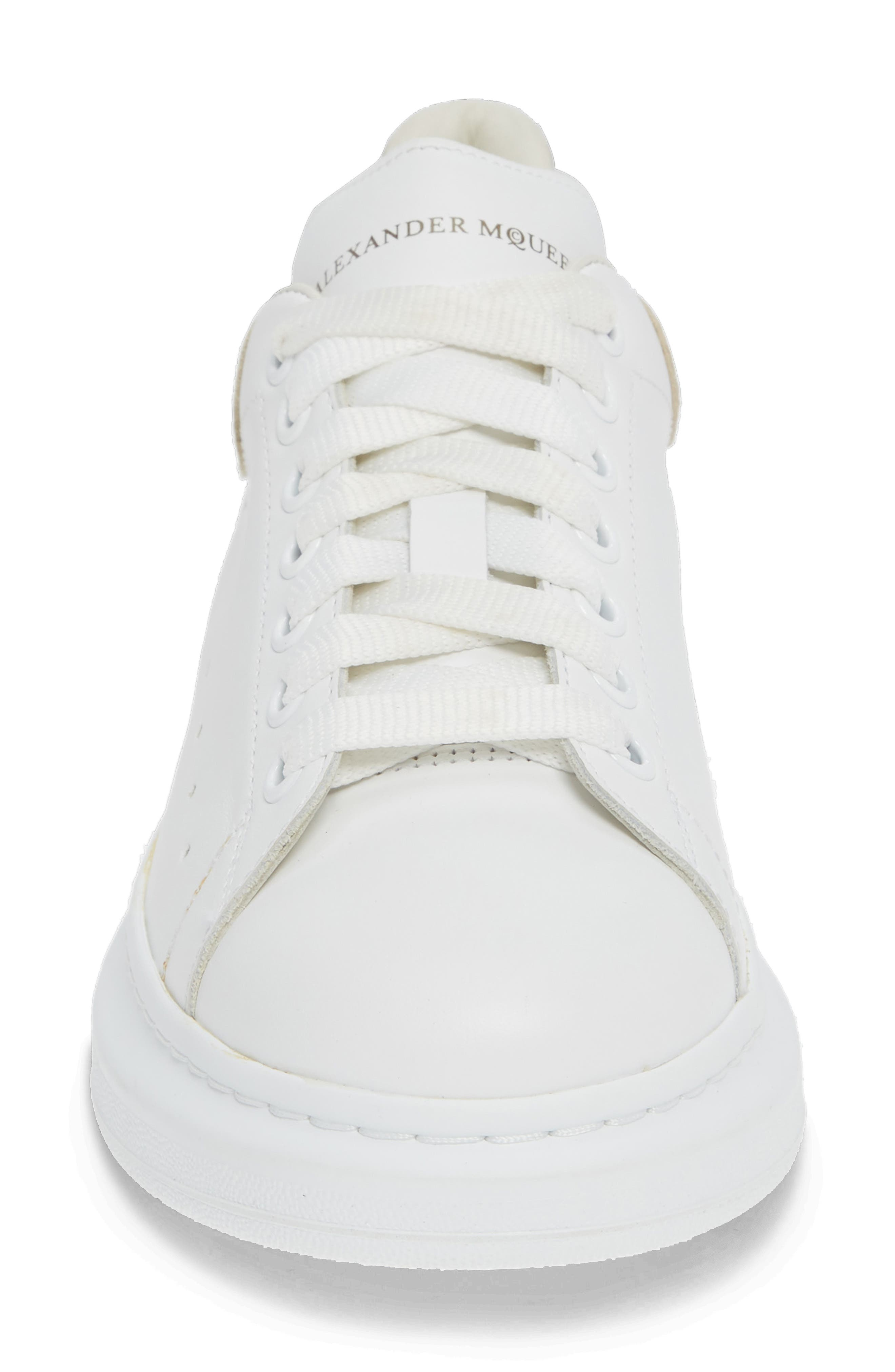 ALEXANDER MCQUEEN, Oversized Sneaker, Alternate thumbnail 4, color, WHITE/ GOLD