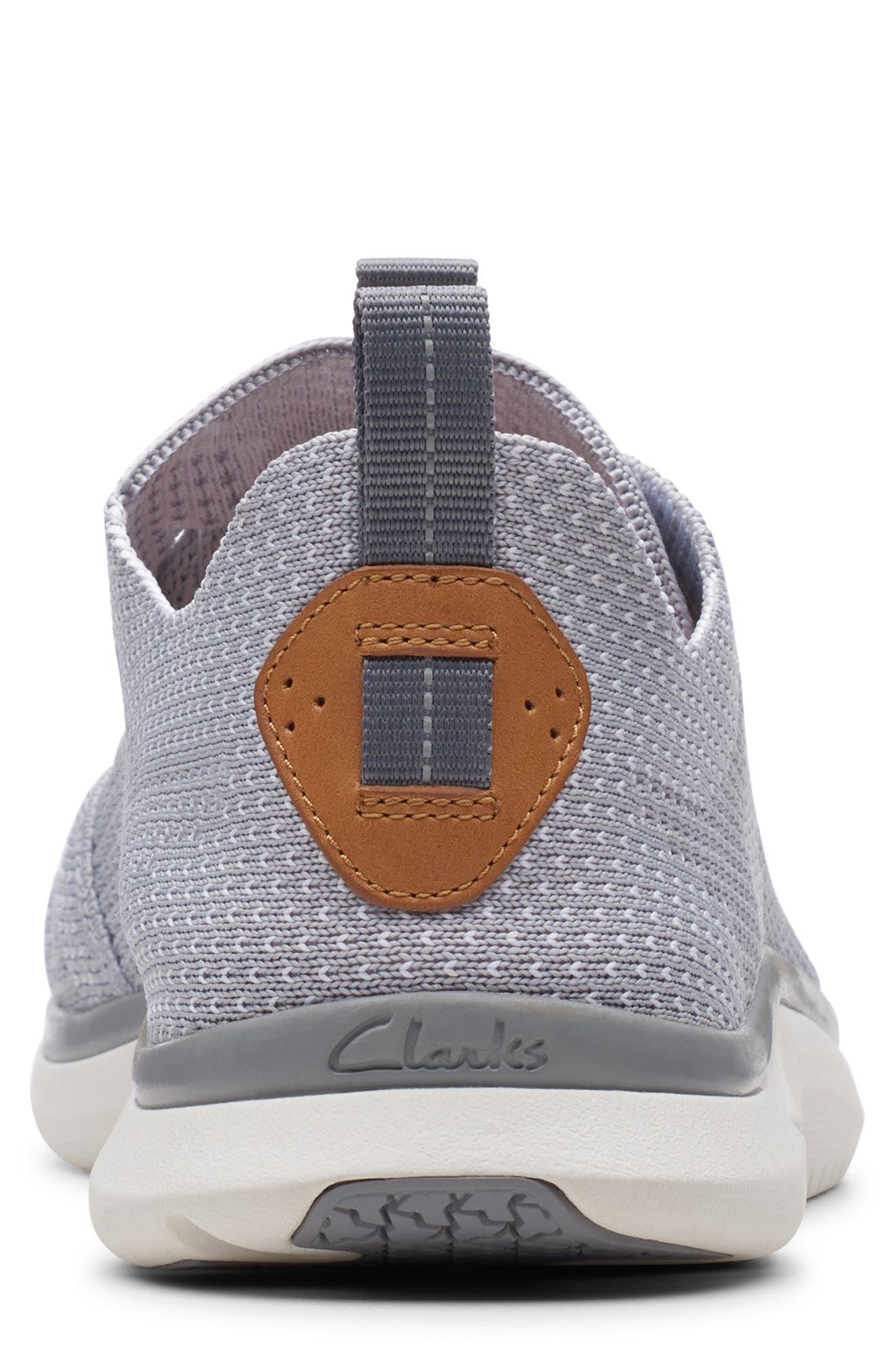 CLARKS<SUP>®</SUP>, Triken Run Sneaker, Alternate thumbnail 4, color, GREY