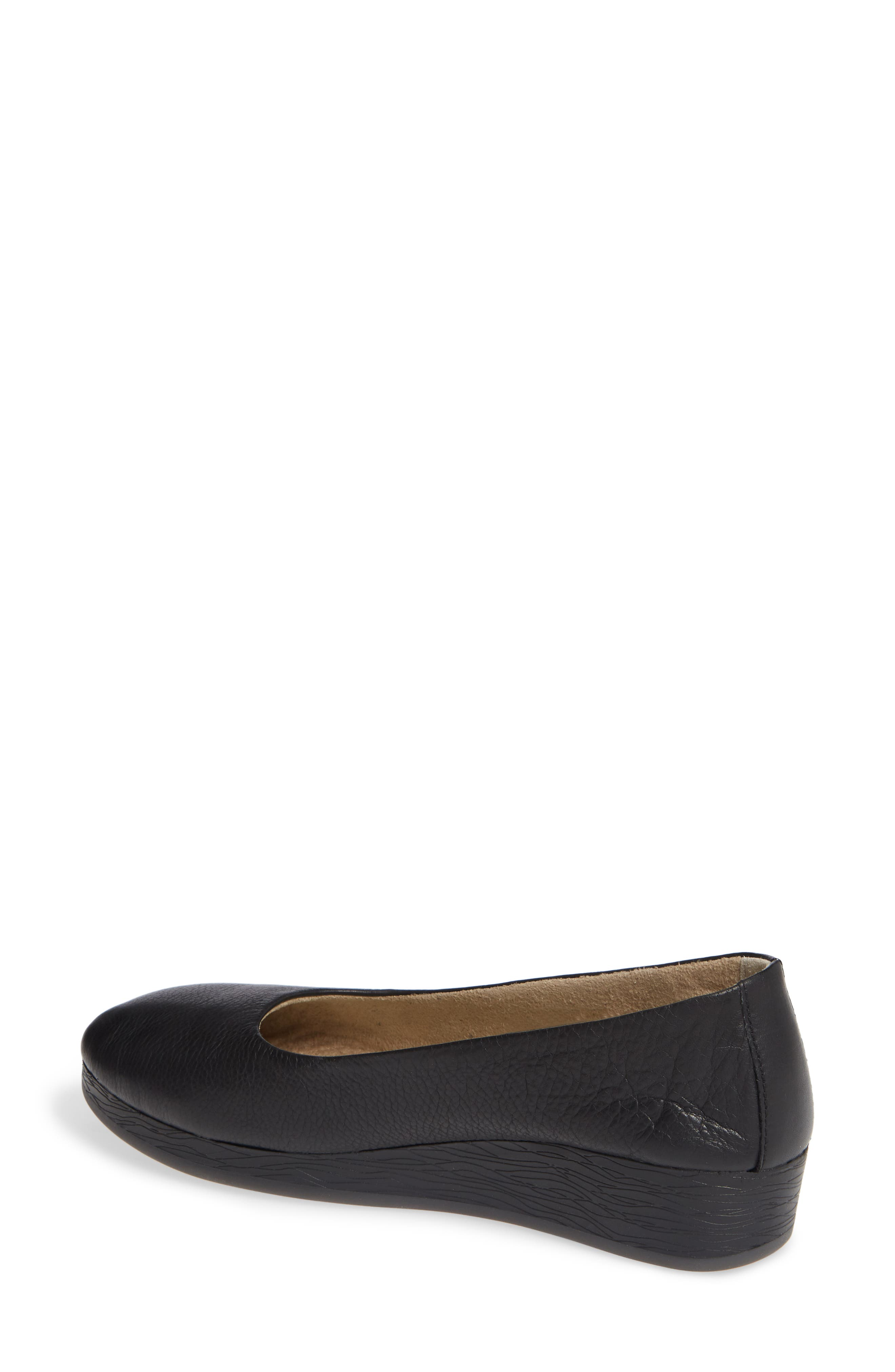 SOFTINOS BY FLY LONDON, Asa Soft Flat, Alternate thumbnail 2, color, BLACK SMOOTH LEATHER