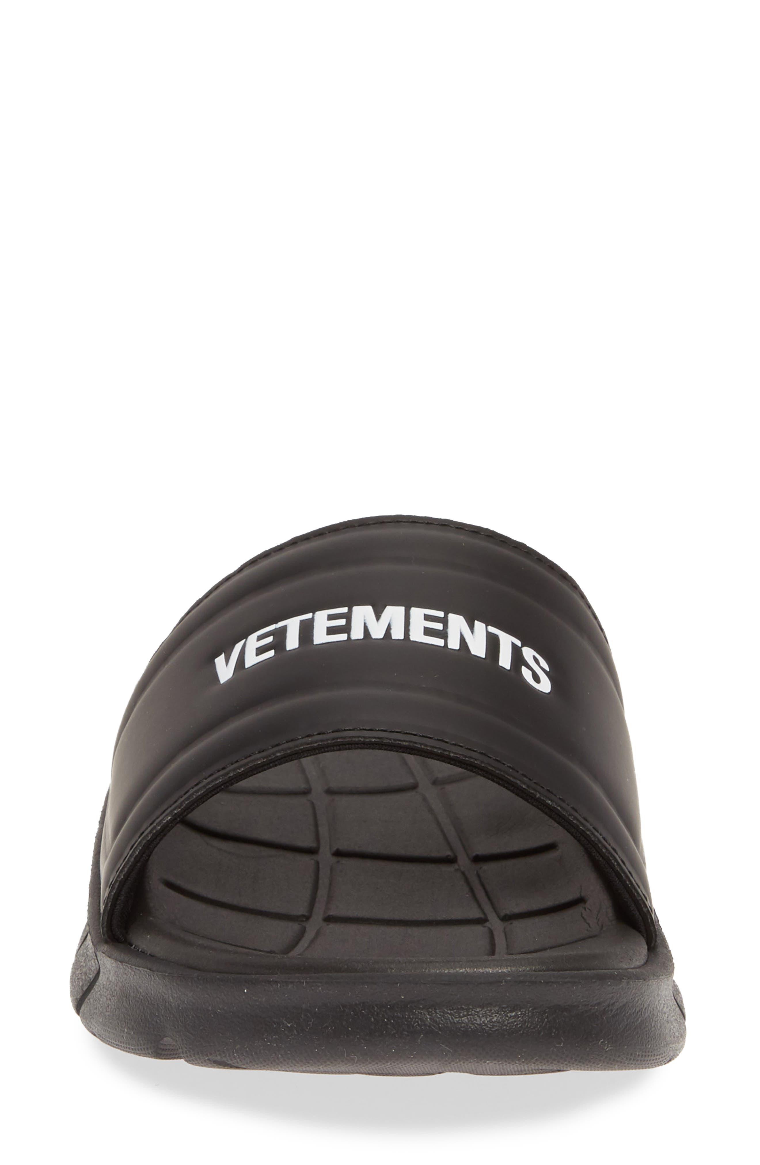 VETEMENTS, x Reebok Logo Slide Sandal, Alternate thumbnail 4, color, BLACK/ WHITE