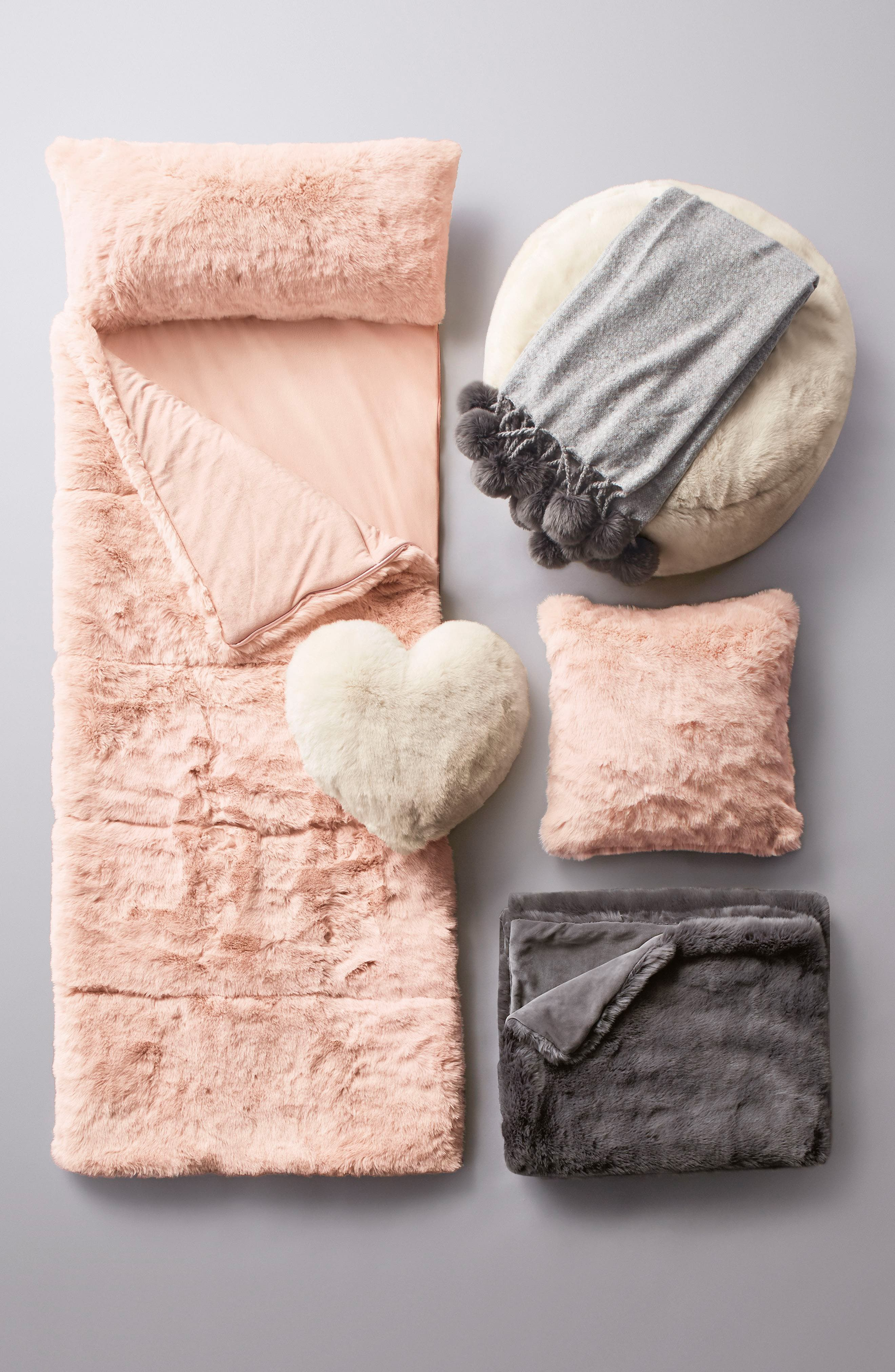 NORDSTROM AT HOME, Cuddle Up Faux Fur Heart Accent Pillow, Alternate thumbnail 7, color, 650
