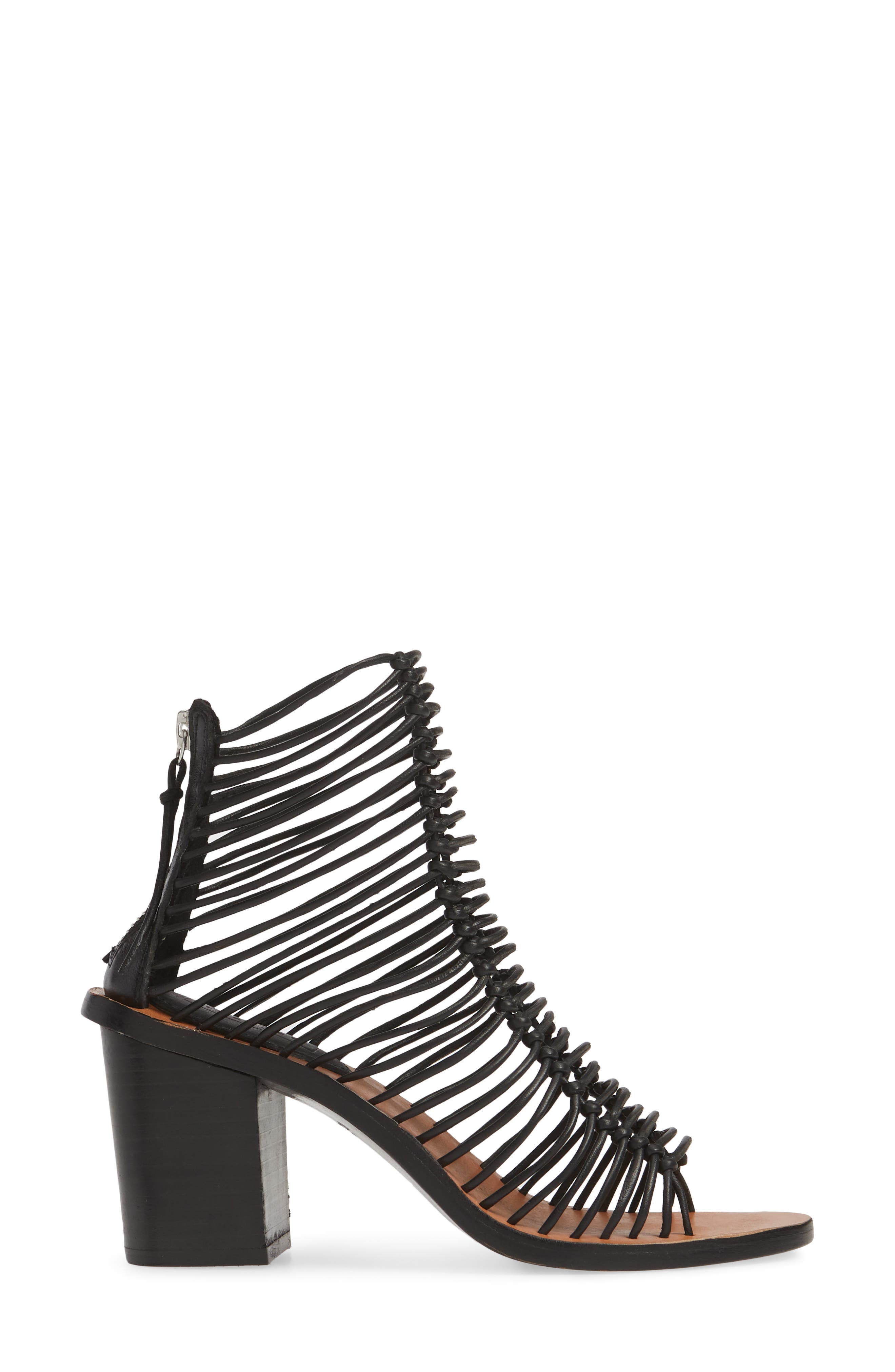 TOPSHOP, Narly Knotted Bootie Sandal, Alternate thumbnail 3, color, BLACK