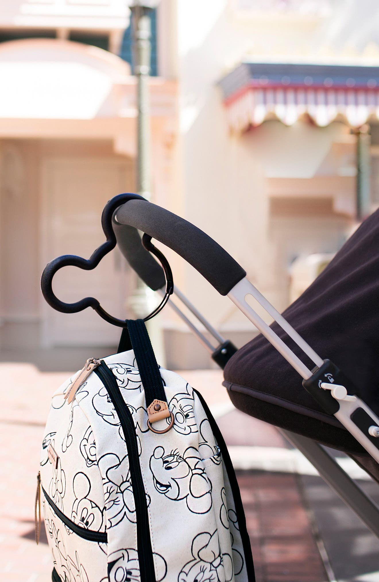 PETUNIA PICKLE BOTTOM, Mickey Mouse<sup>®</sup> Stroller Hook, Alternate thumbnail 5, color, BLACK/ BLACK