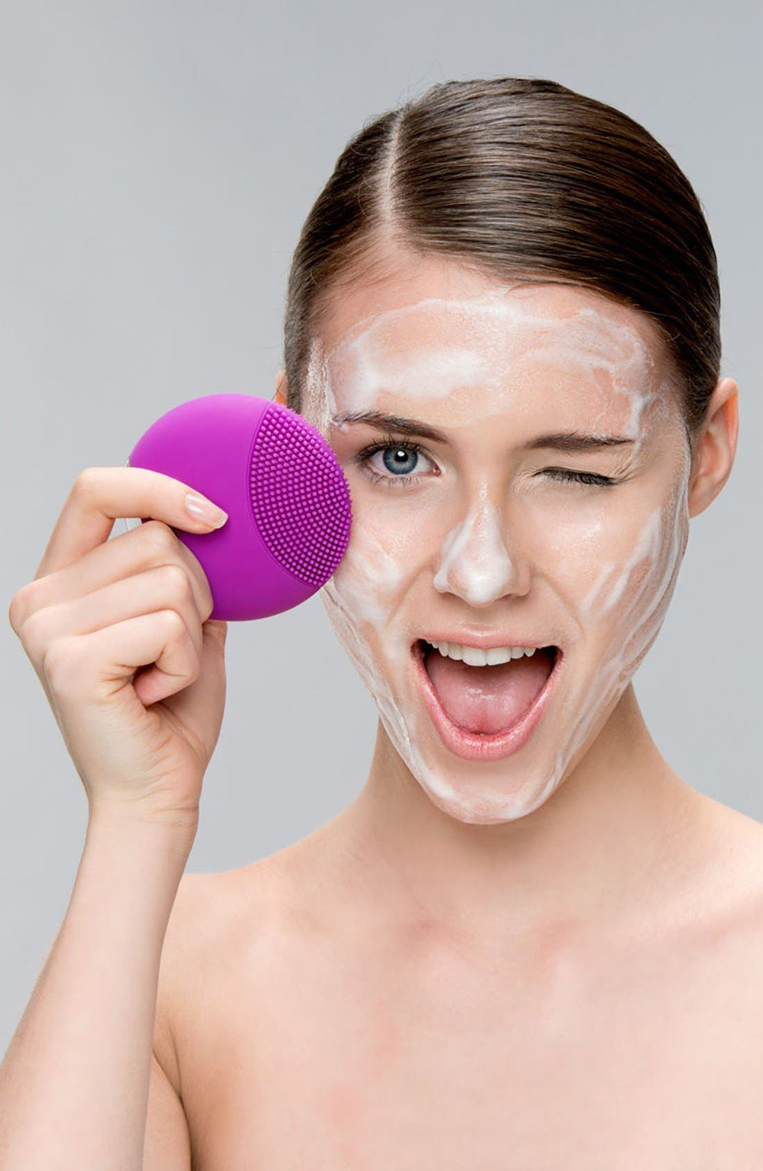 FOREO, LUNA<sup>™</sup> mini Compact Facial Cleansing Device, Alternate thumbnail 5, color, TURQUOISE BLUE