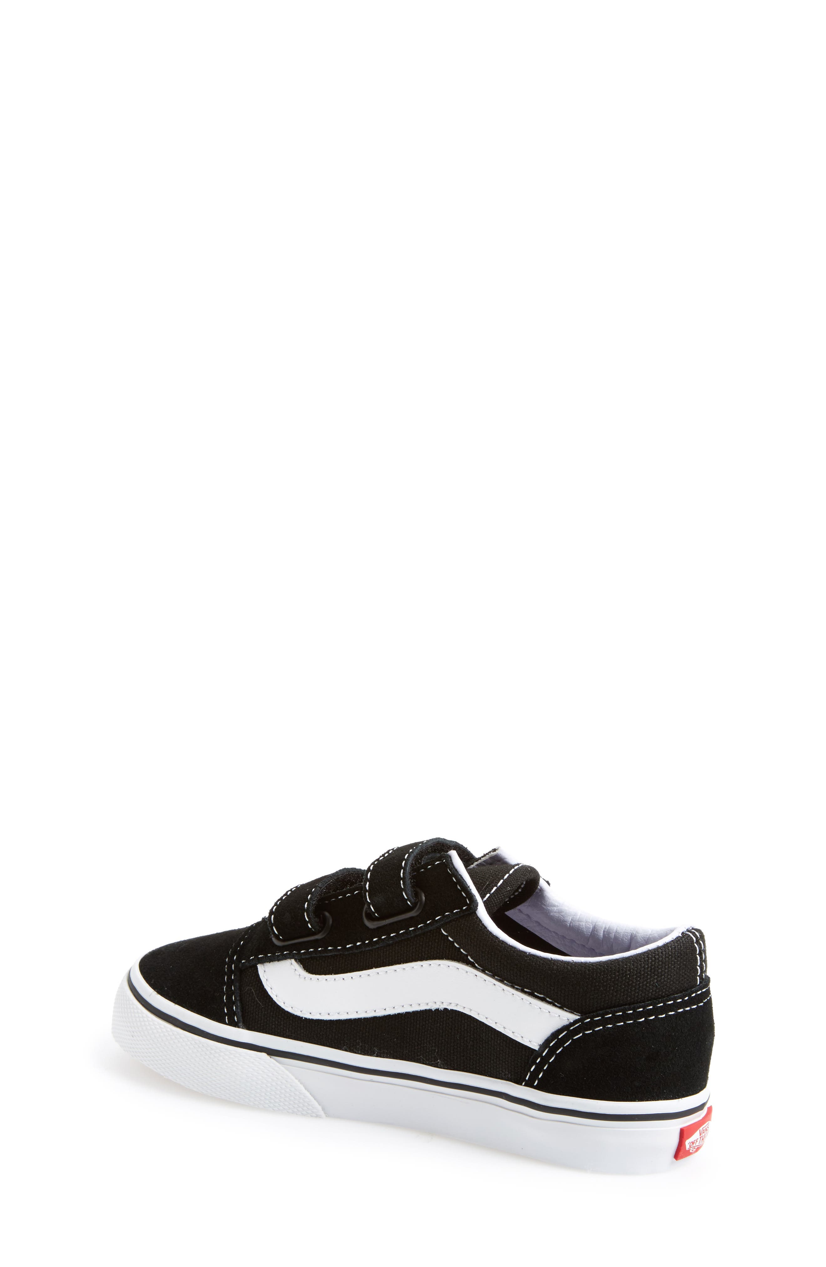 VANS, 'Old Skool V' Sneaker, Alternate thumbnail 2, color, BLACK/ TRUE WHITE