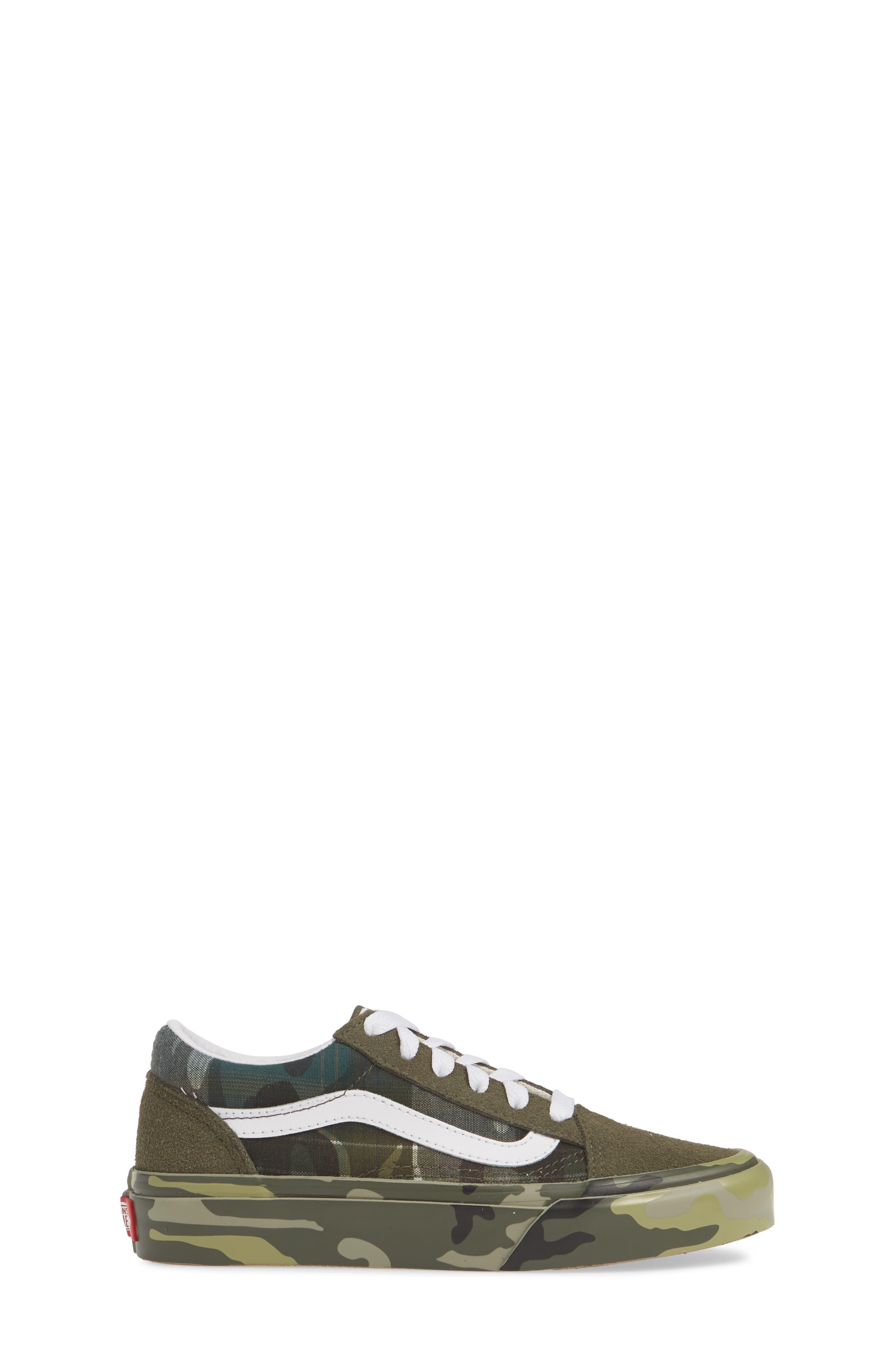 VANS, Old Skool Sneaker, Alternate thumbnail 3, color, PLAID CAMO GRAPE LEAF/ WHITE