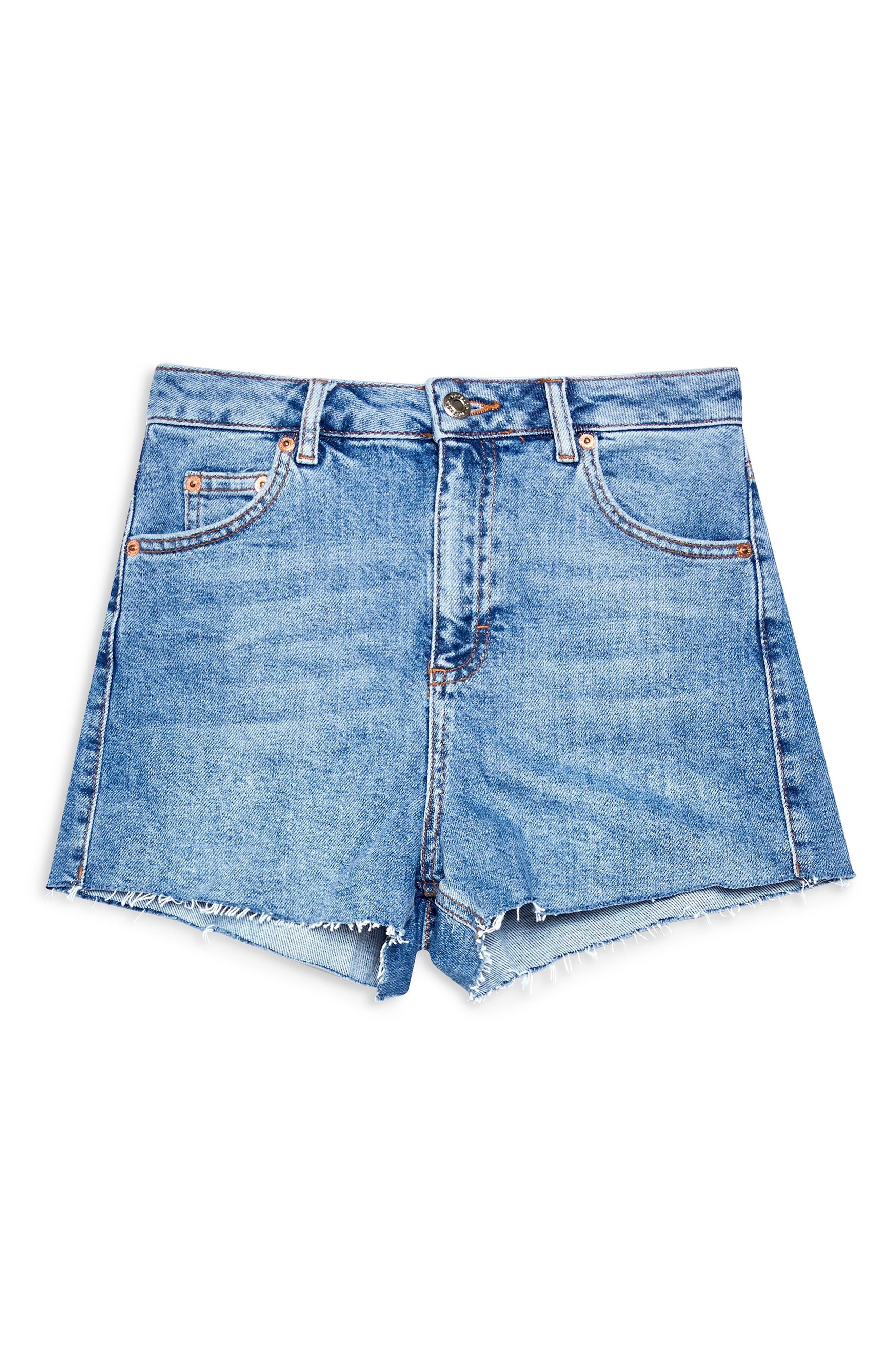 TOPSHOP, Premium Denim Mom Shorts, Alternate thumbnail 5, color, MID DENIM