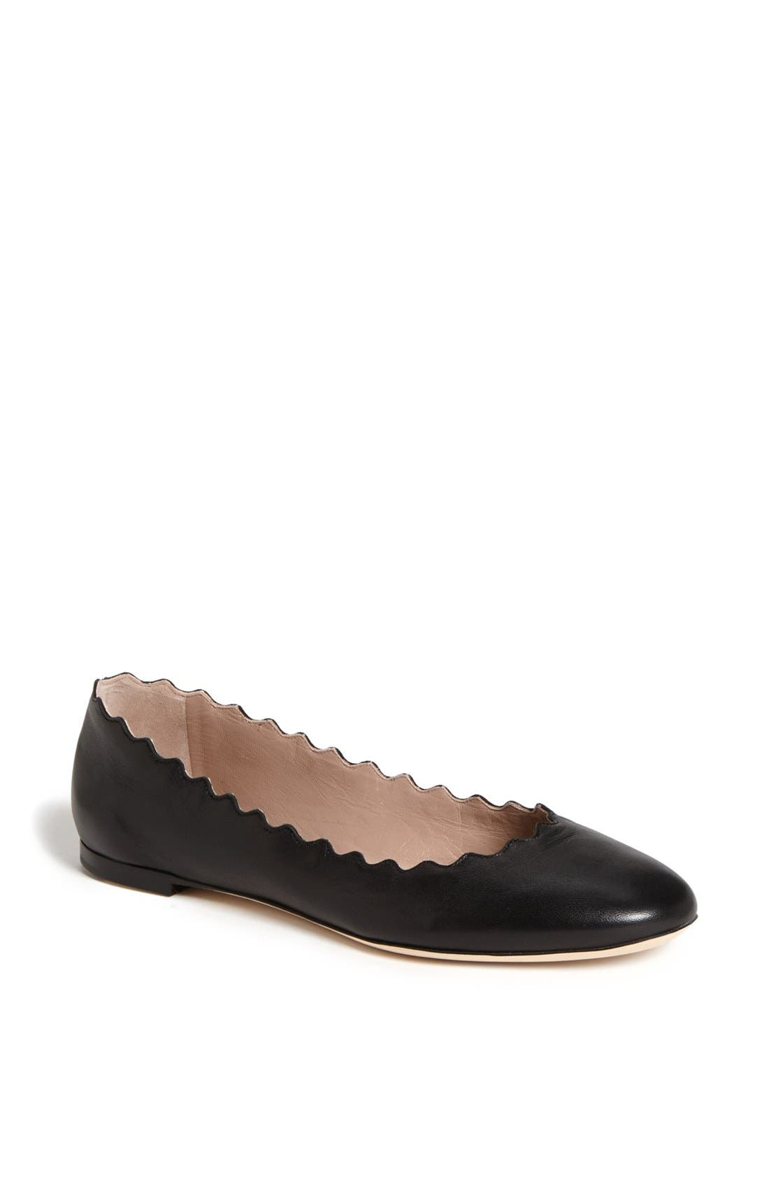 CHLOÉ, 'Lauren' Scalloped Ballet Flat, Main thumbnail 1, color, BLACK LEATHER