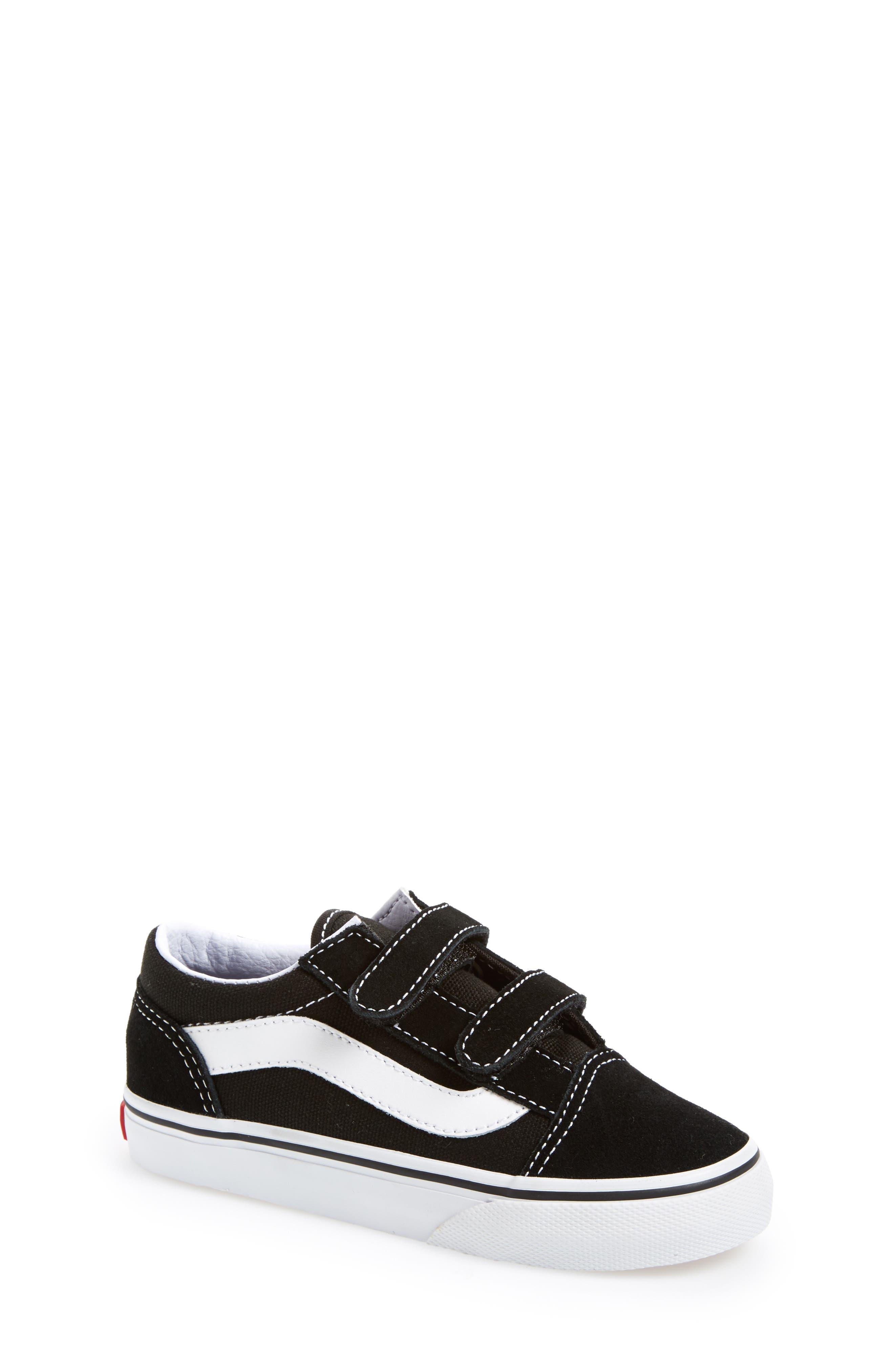 VANS, 'Old Skool V' Sneaker, Alternate thumbnail 6, color, BLACK/ TRUE WHITE