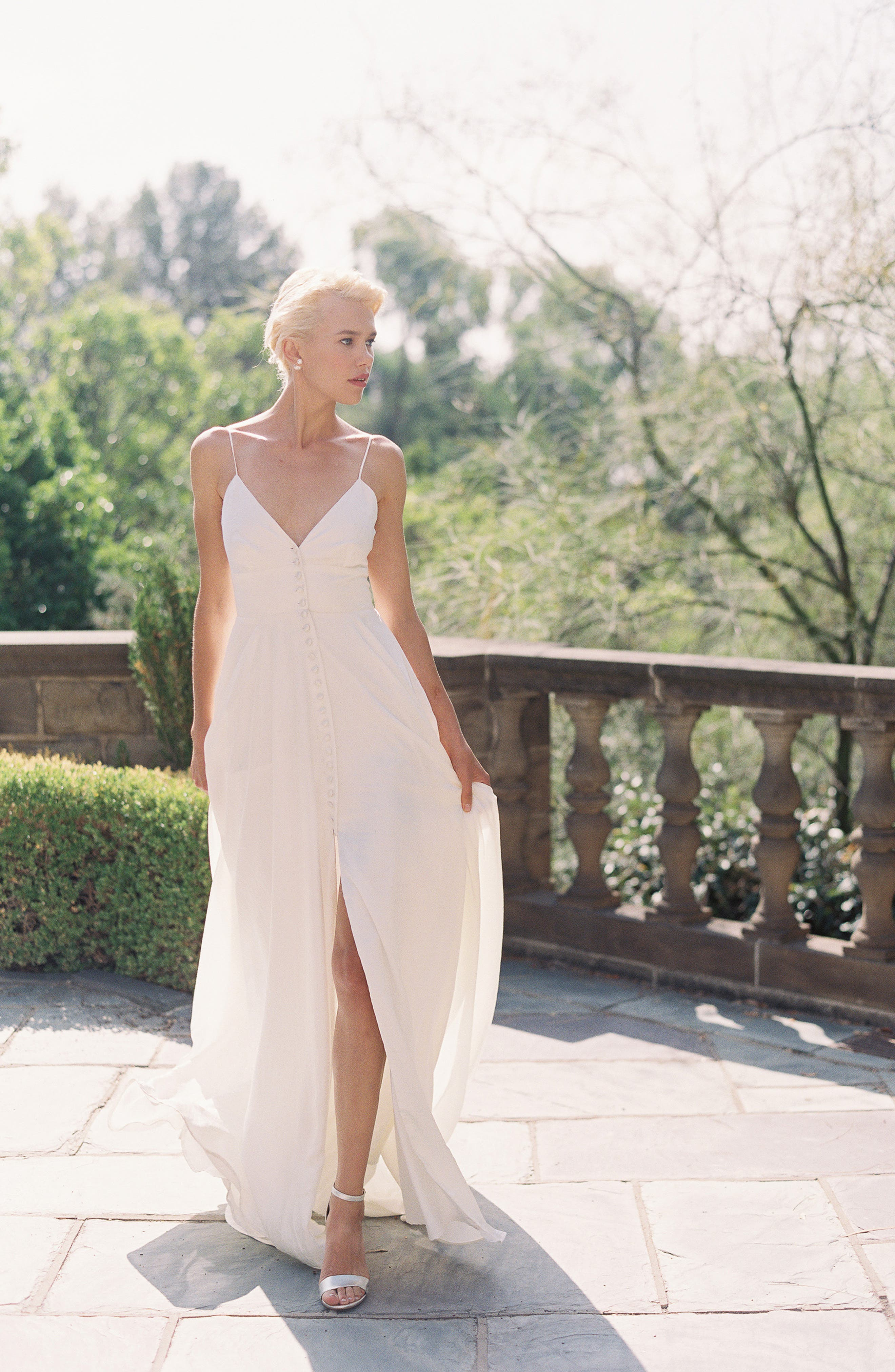 JOANNA AUGUST, Nancy V-Neck Crepe Wedding Dress, Alternate thumbnail 7, color, WHITE