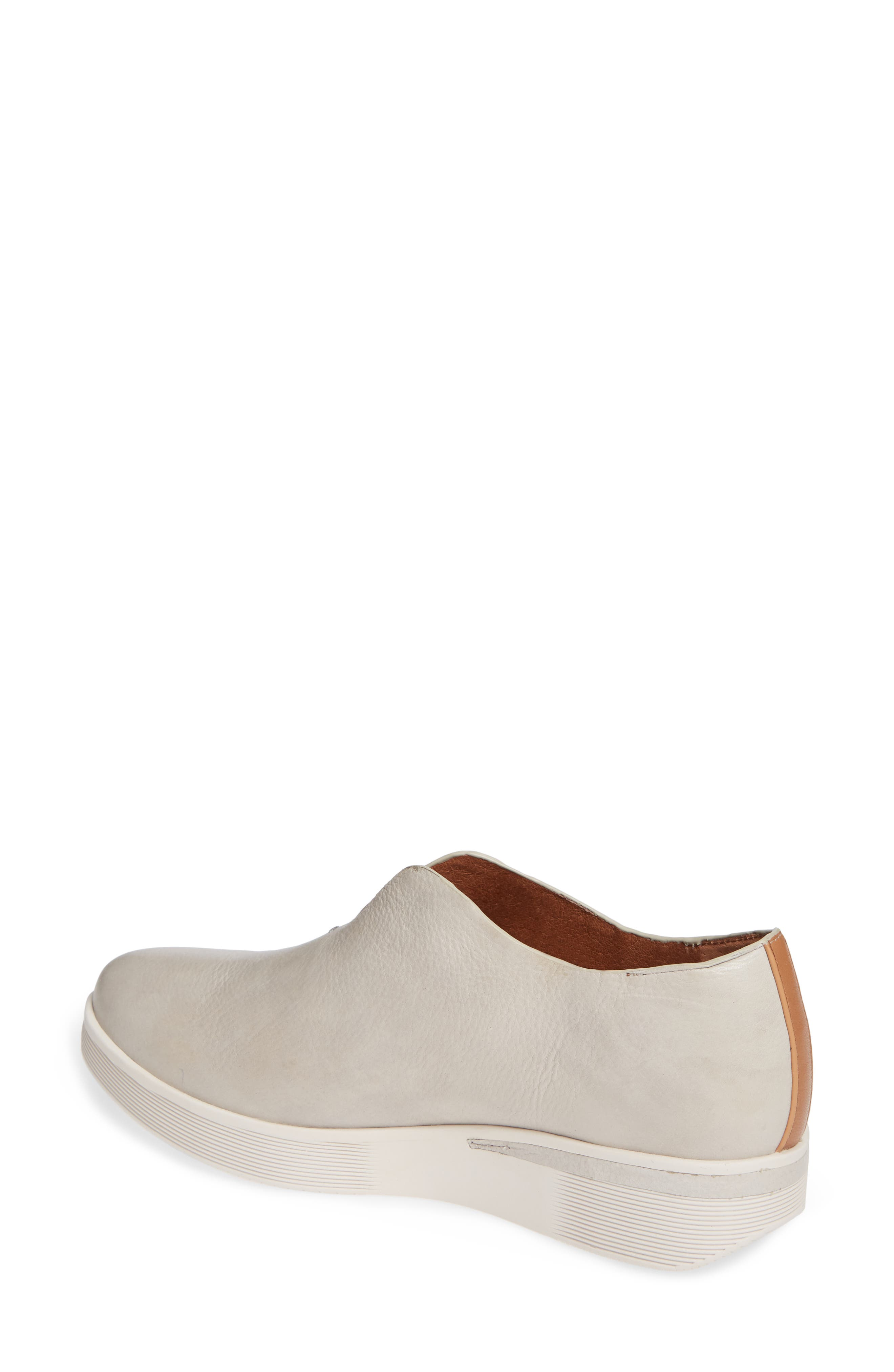 GENTLE SOULS BY KENNETH COLE, Hanna Slip-On Sneaker, Alternate thumbnail 2, color, LIGHT GREY LEATHER