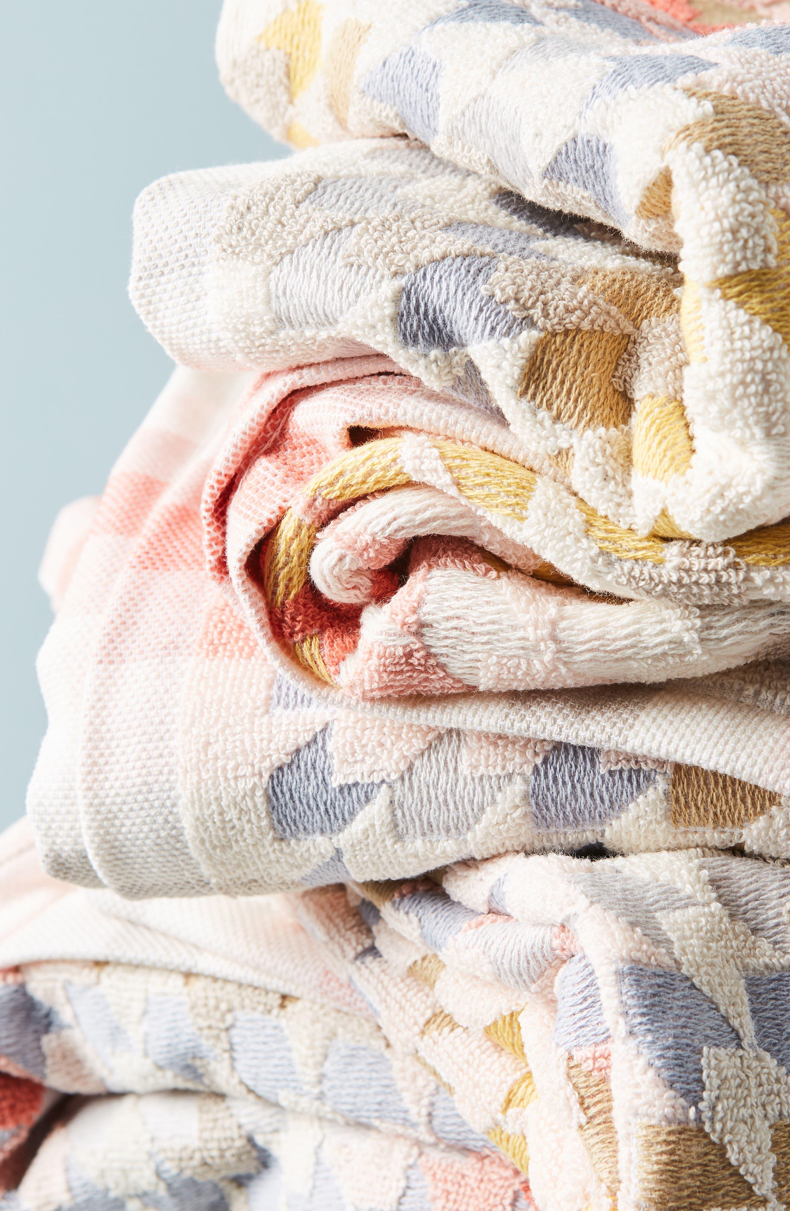 ANTHROPOLOGIE, Noella Bath Towel, Alternate thumbnail 2, color, ORANGE COMBO
