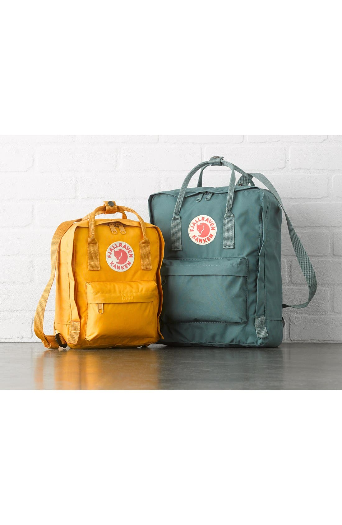 FJÄLLRÄVEN, 'Mini Kånken' Water Resistant Backpack, Alternate thumbnail 10, color, BLACK