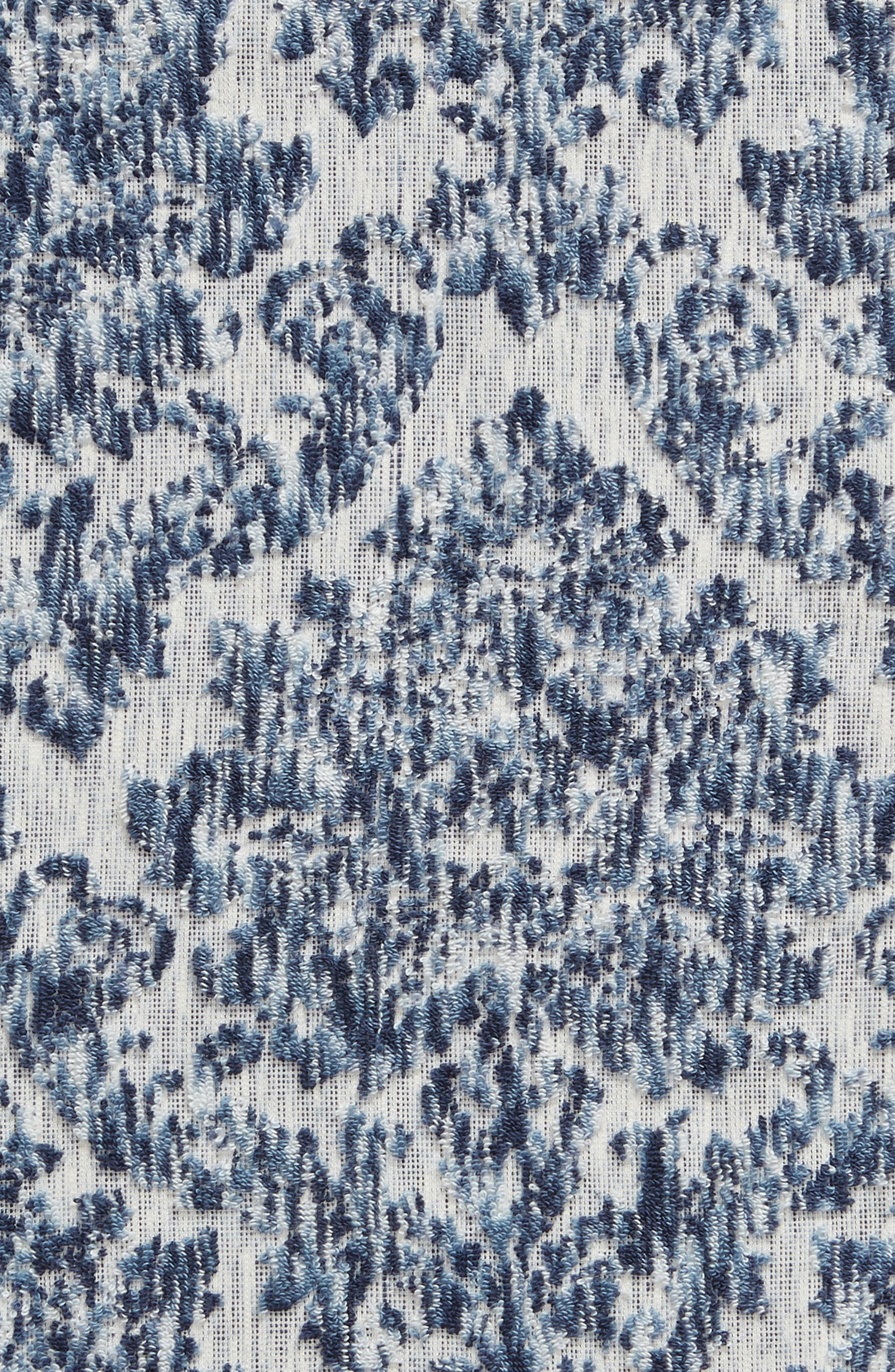 NORDSTROM AT HOME, Easton Bath Towel, Alternate thumbnail 3, color, BLUE CHAMBRAY MULTI