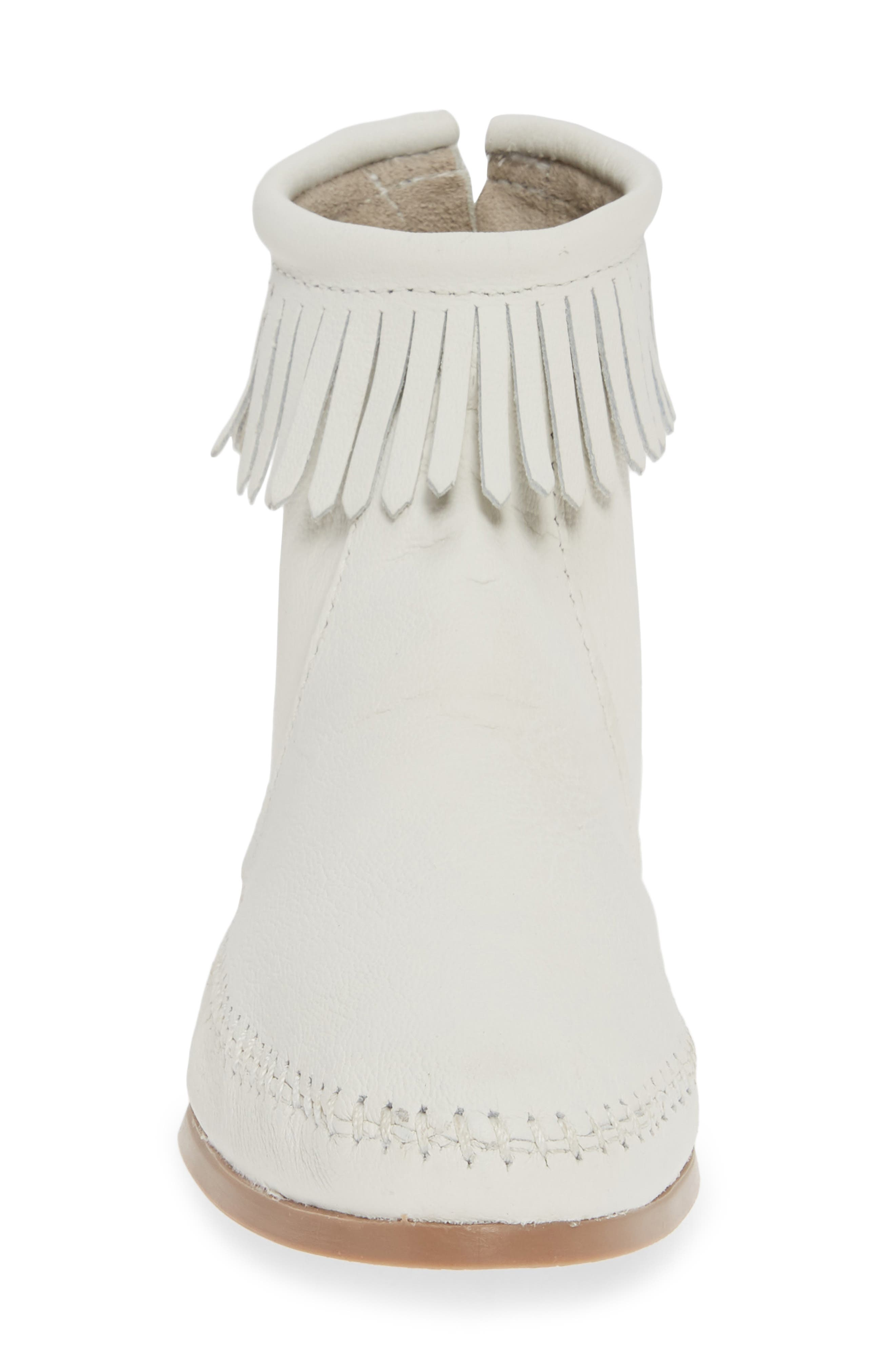 MINNETONKA, x Lottie Moss Lauryn Fringe Bootie, Alternate thumbnail 4, color, WHITE LEATHER