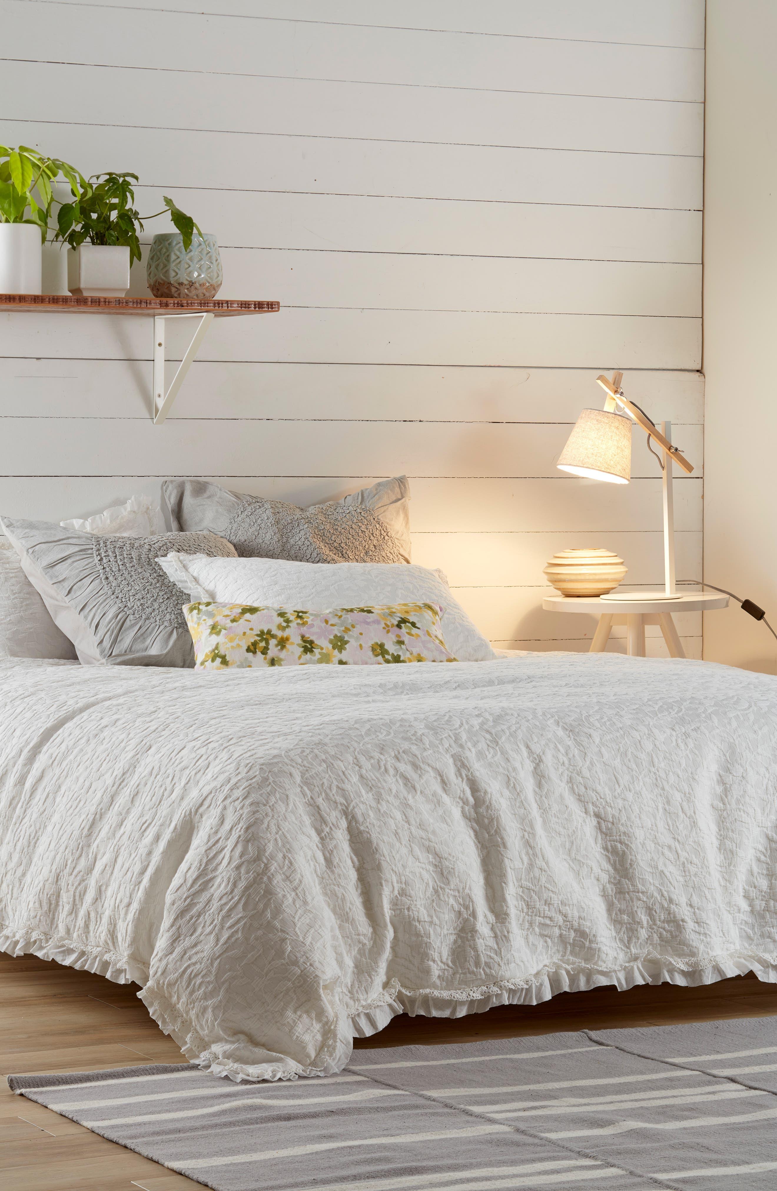 NORDSTROM AT HOME, Floral Linen Accent Pillow, Alternate thumbnail 6, color, GREY VAPOR MULTI