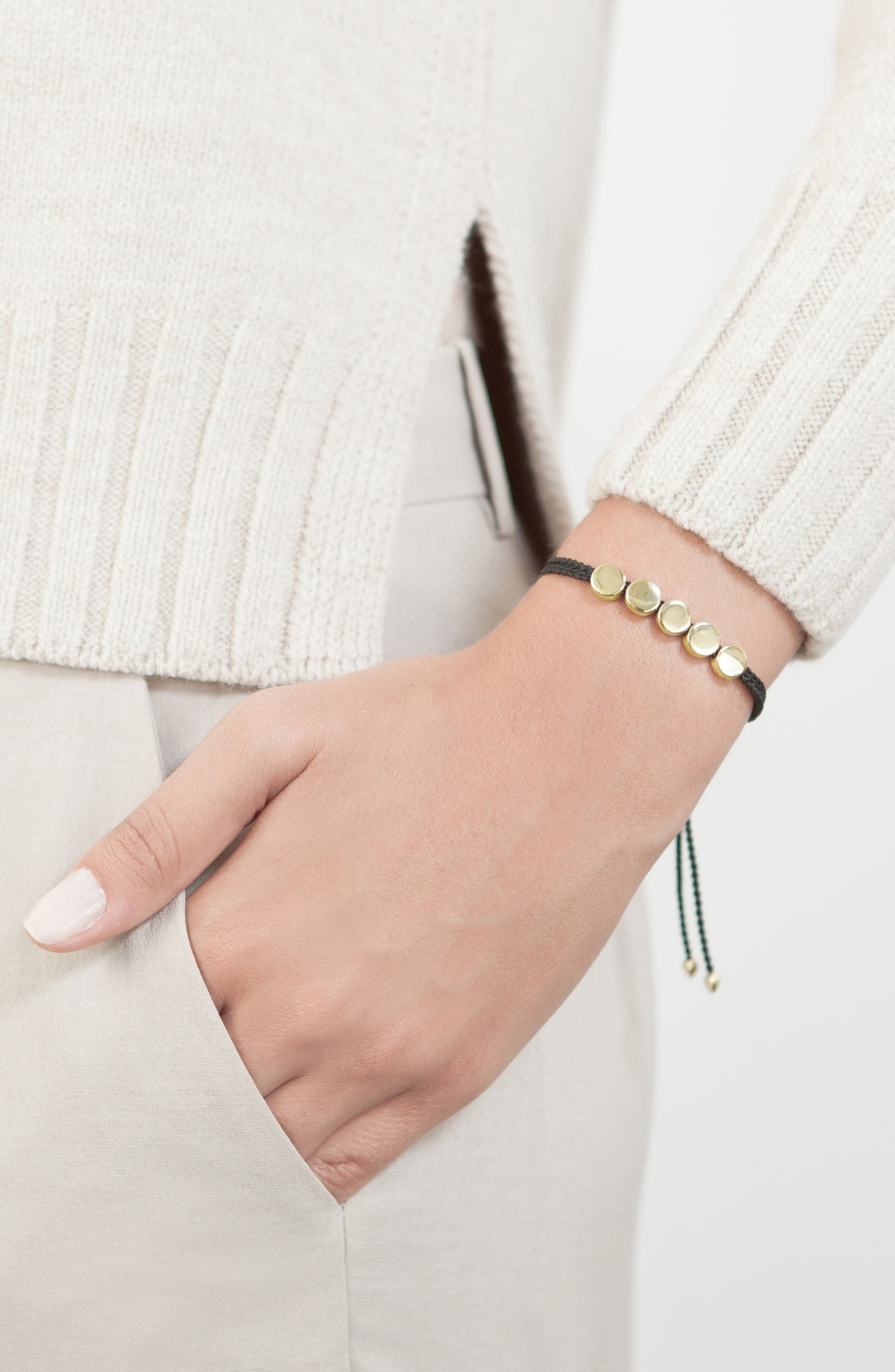 MONICA VINADER, Engravable Linear Bead Friendship Bracelet, Alternate thumbnail 2, color, BLACK/ YELLOW GOLD