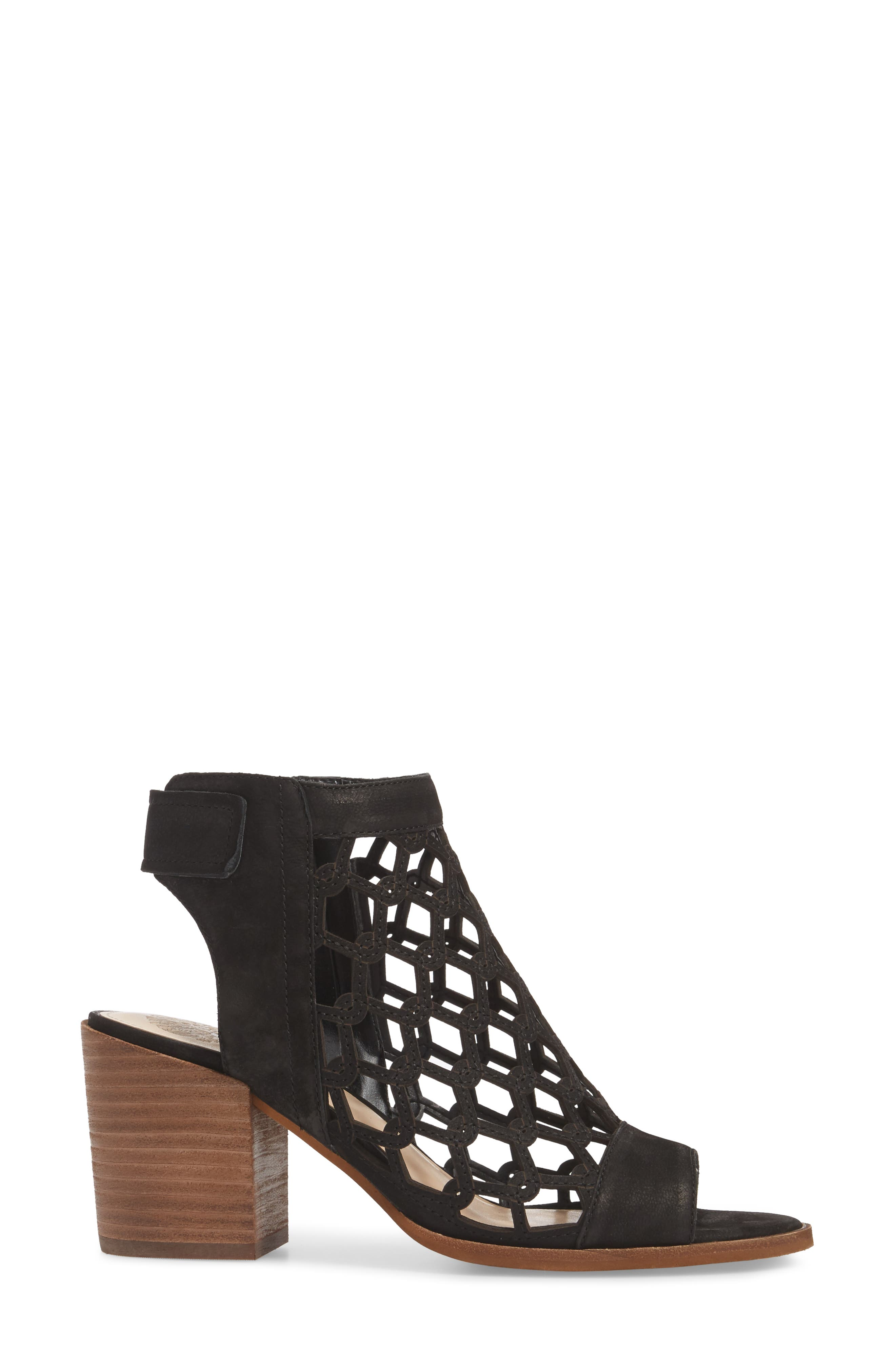 VINCE CAMUTO, Lanaira Sandal, Alternate thumbnail 3, color, BLACK LEATHER