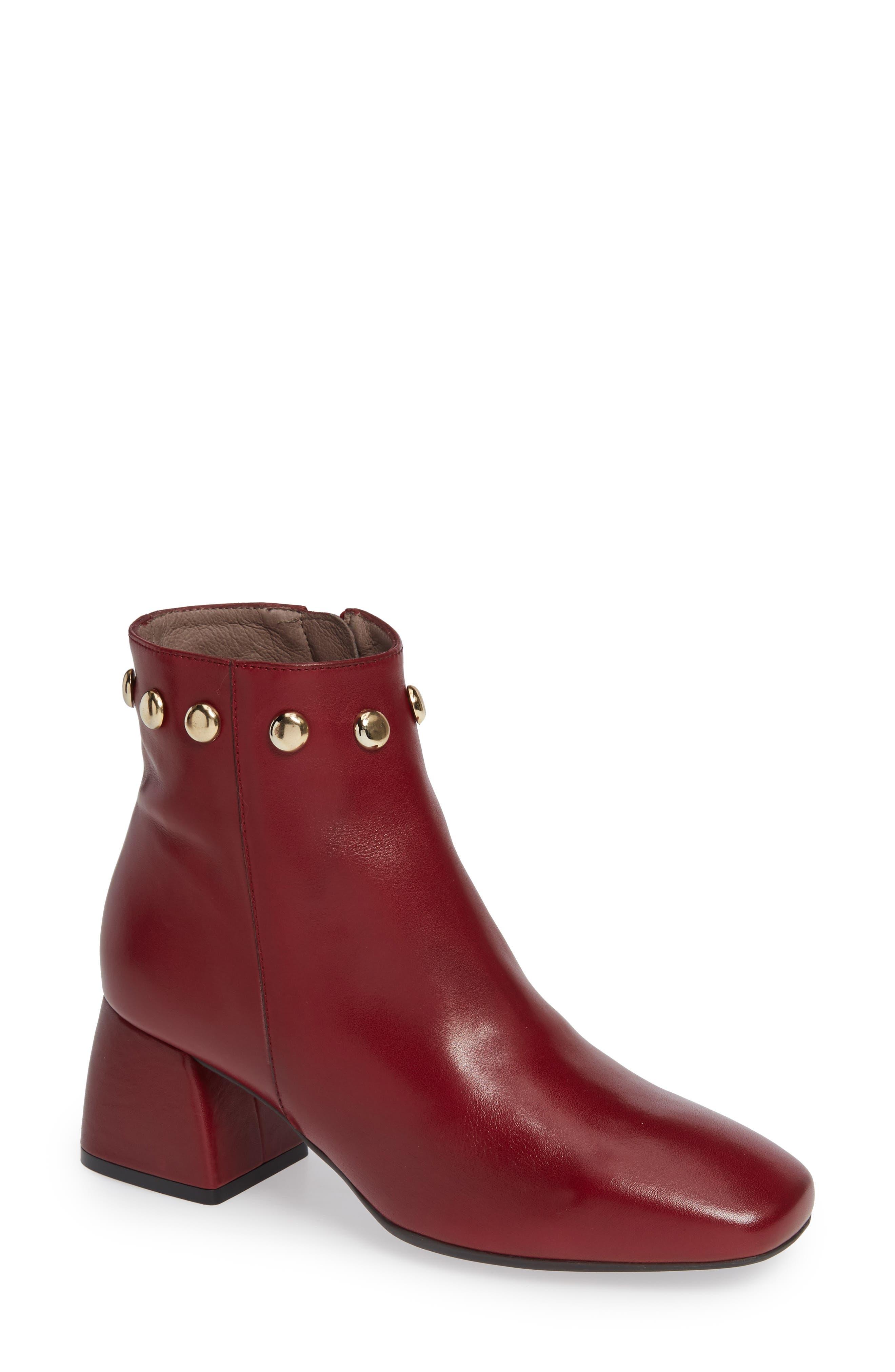 Wonders Block Heel Ankle Bootie - Red
