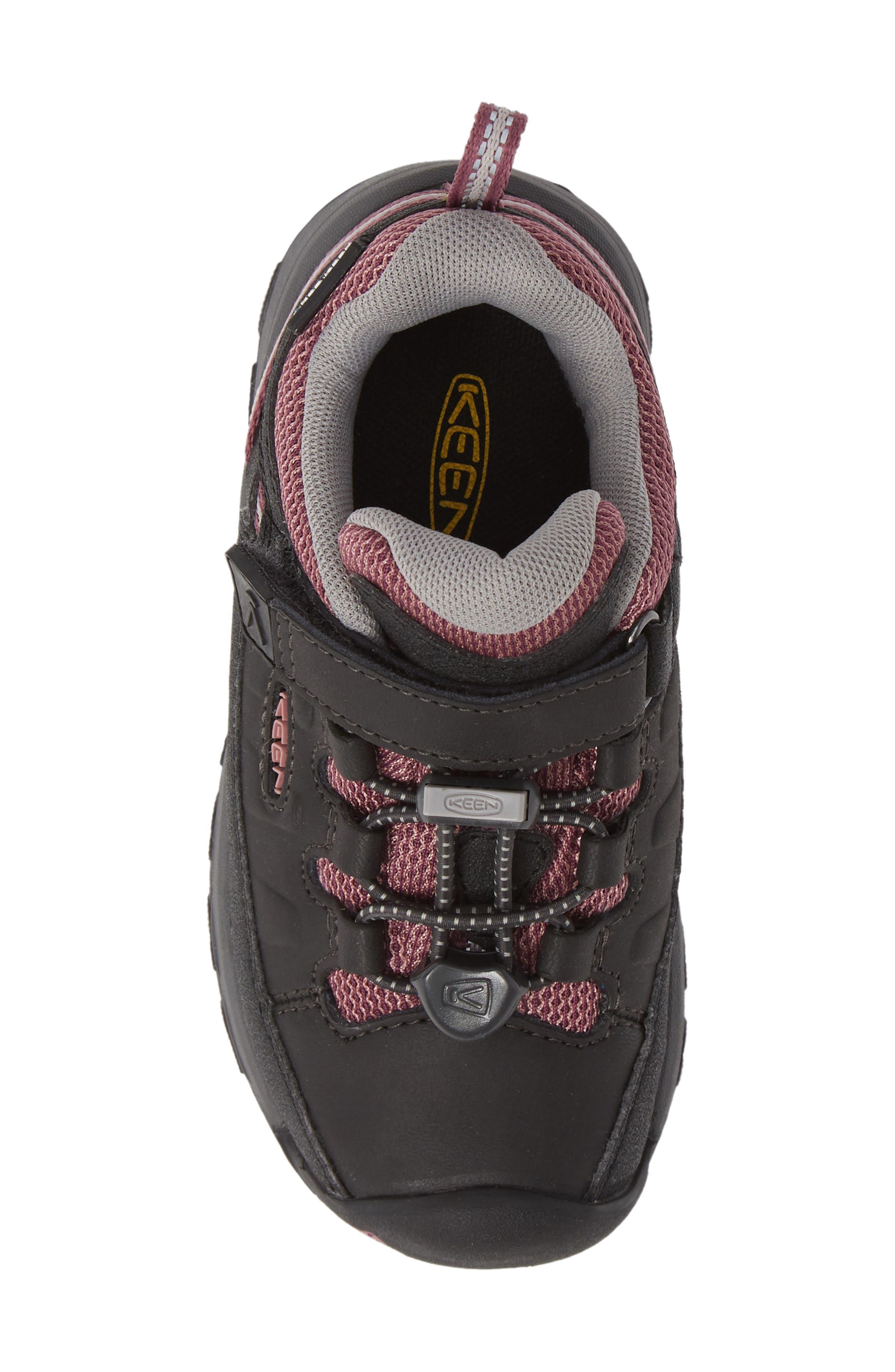 KEEN, Targhee Low Waterproof Sneaker, Alternate thumbnail 5, color, RAVEN/ TULIPWOOD