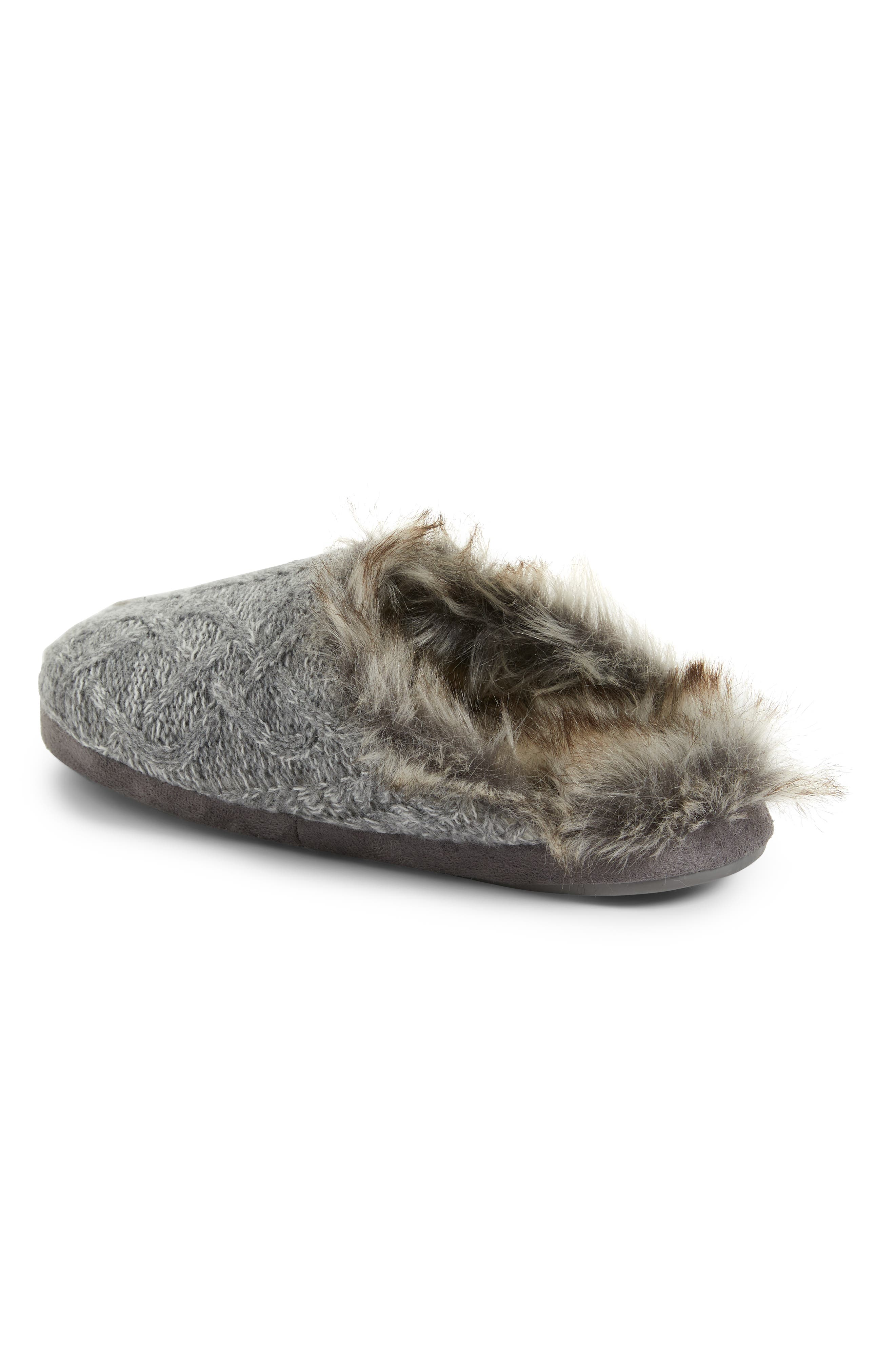 PJ SALVAGE, Faux Fur Trim Cable Knit Slipper, Alternate thumbnail 2, color, HEATHER GREY