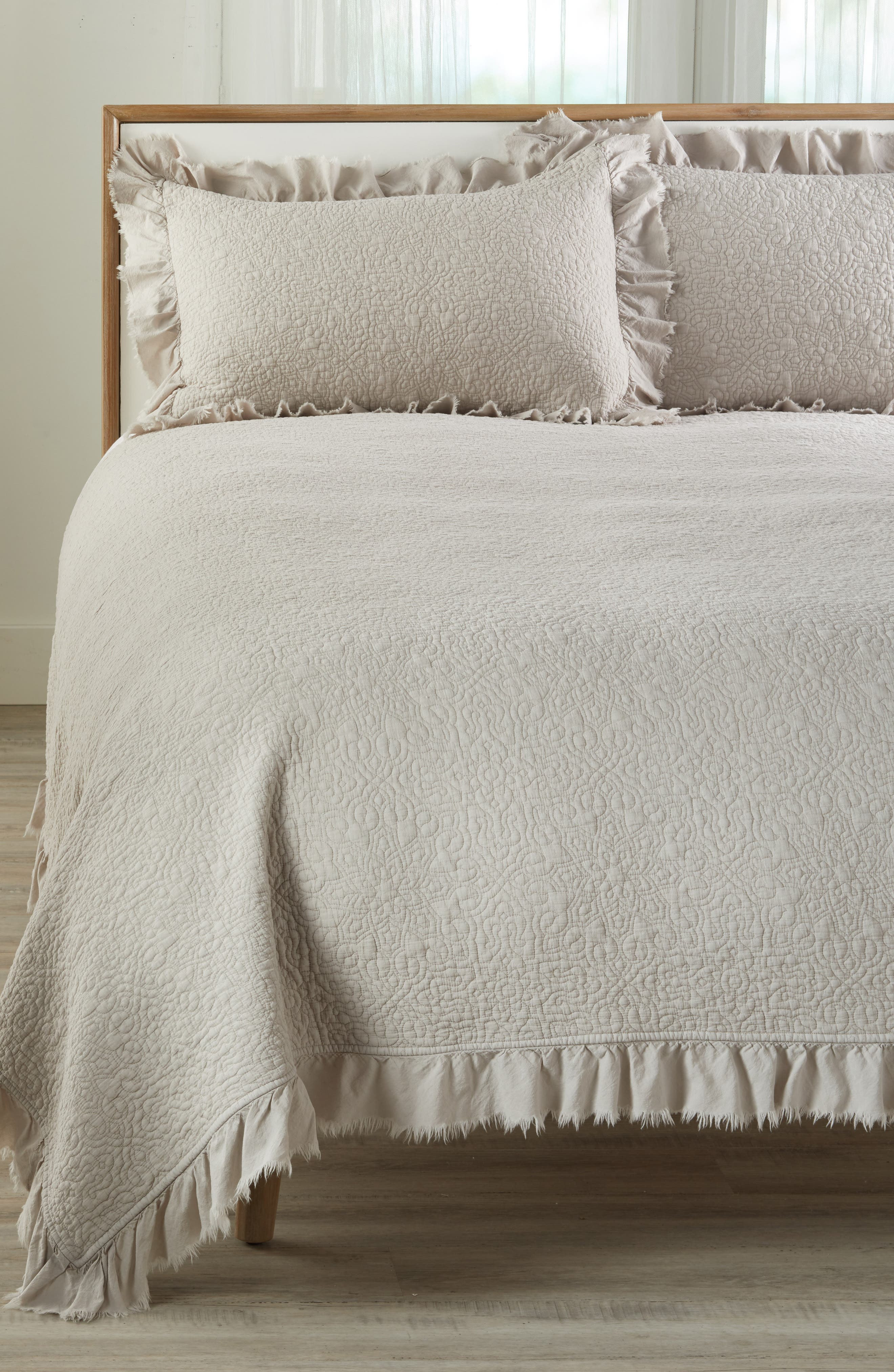 TREASURE & BOND Frayed Edge Stonewash Quilt, Main, color, GREY OWL