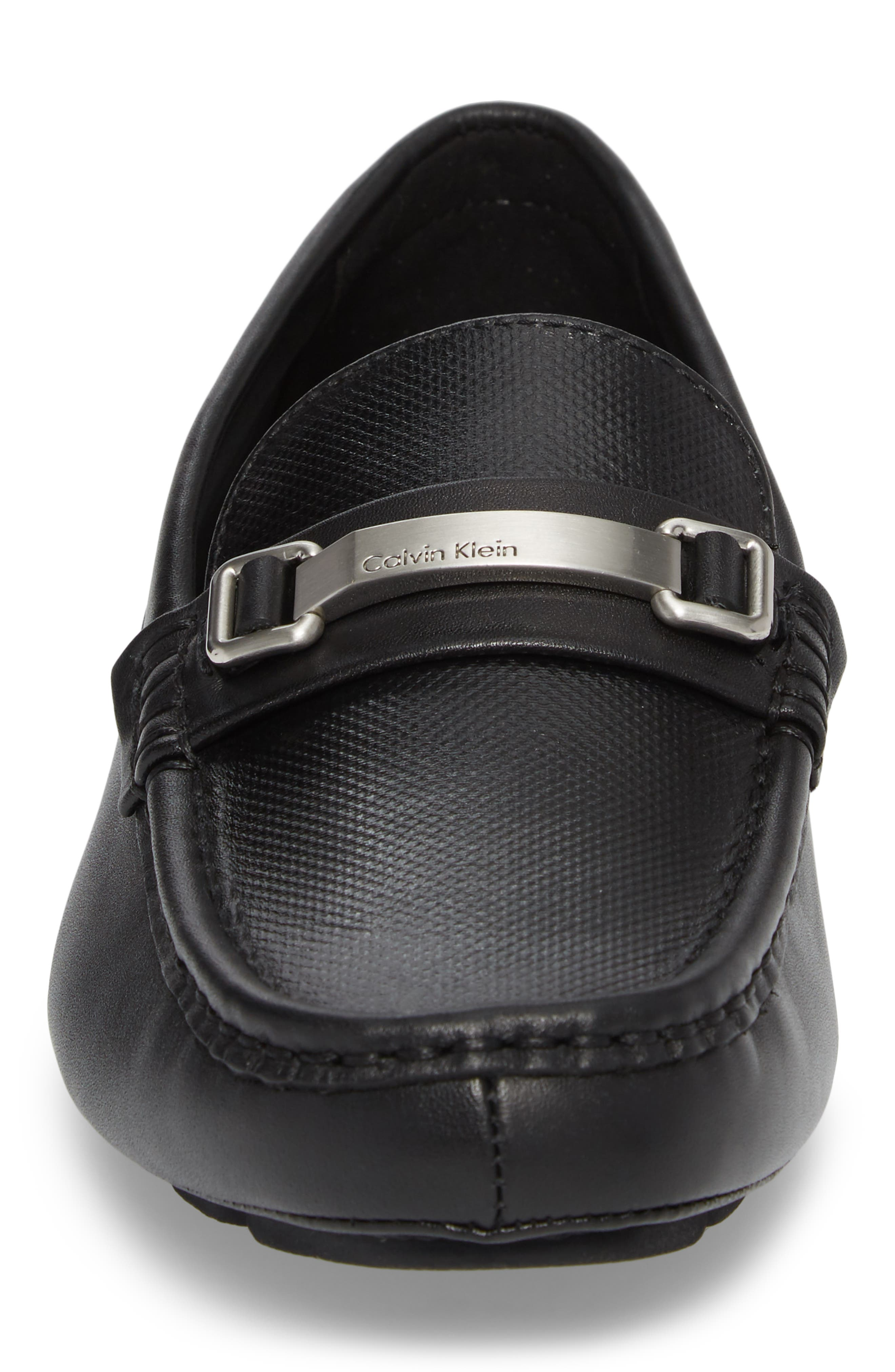 CALVIN KLEIN, Maddix Textured Driving Moccasin, Alternate thumbnail 4, color, BLACK LEATHER