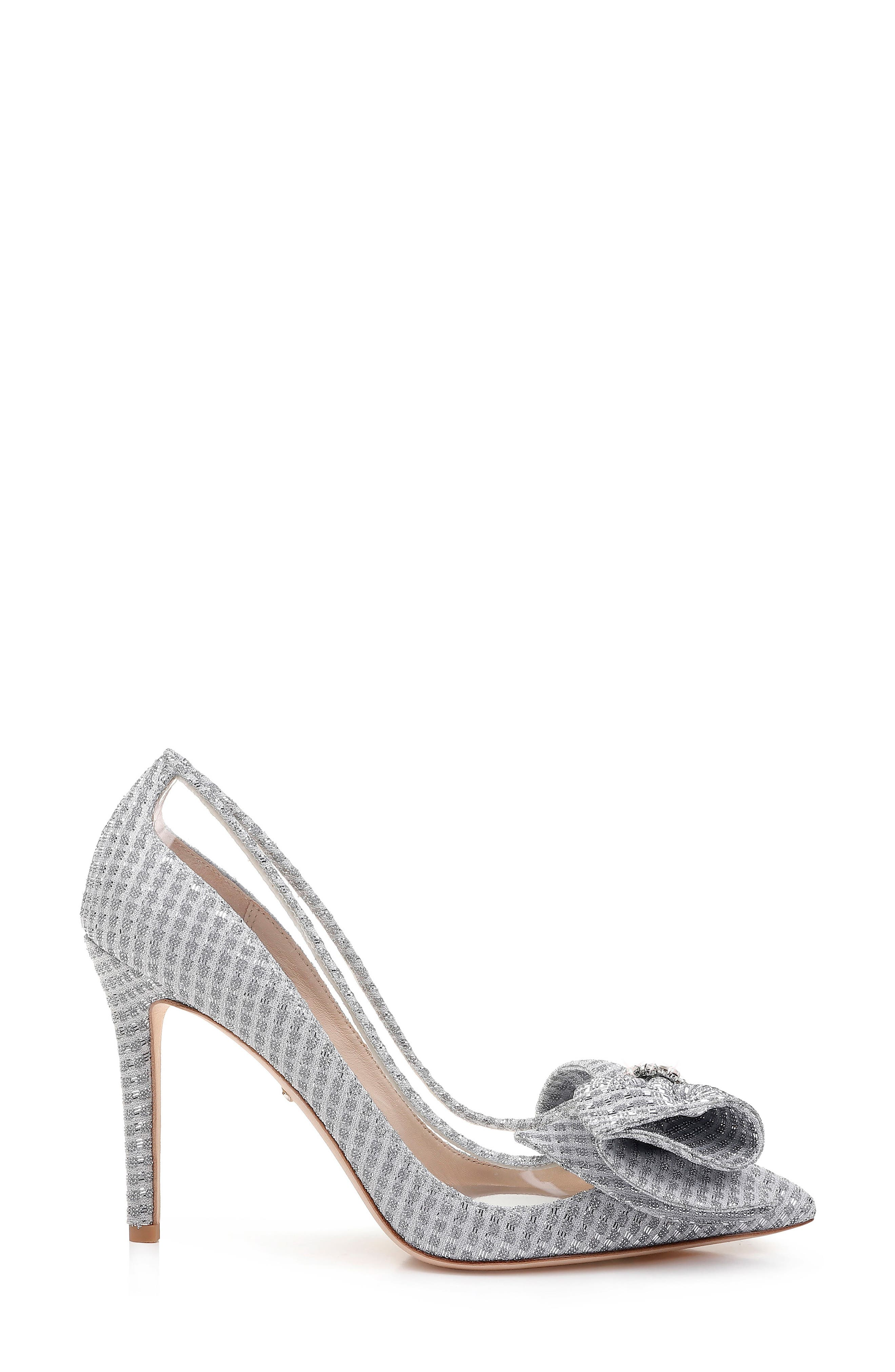 BADGLEY MISCHKA COLLECTION, Badgley Mischka Frances Bow Pump, Alternate thumbnail 3, color, SILVER GLITTER FABRIC