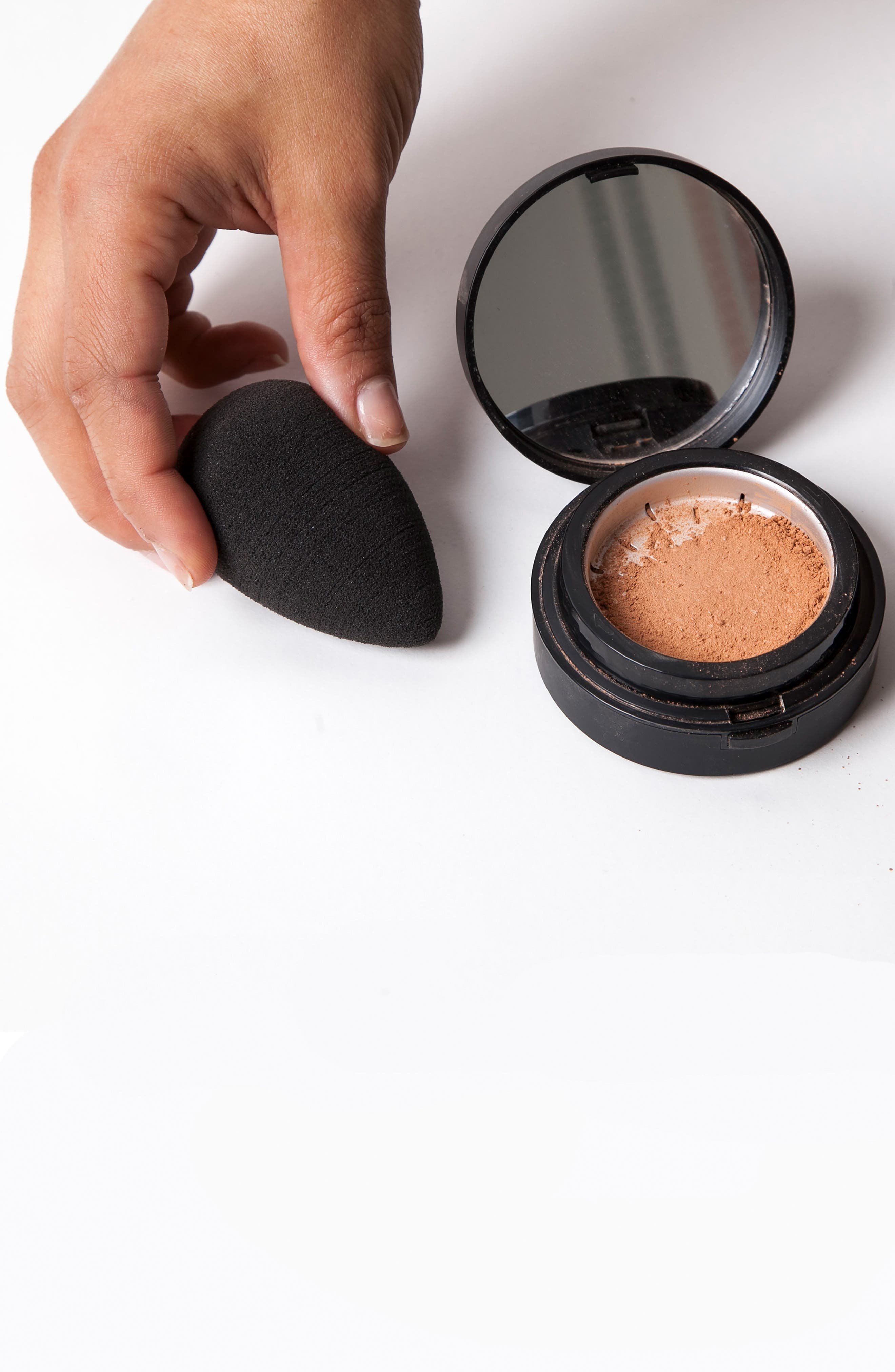 BEAUTYBLENDER<SUP>®</SUP>, 'pro' Makeup Sponge Applicator, Alternate thumbnail 6, color, NO COLOR