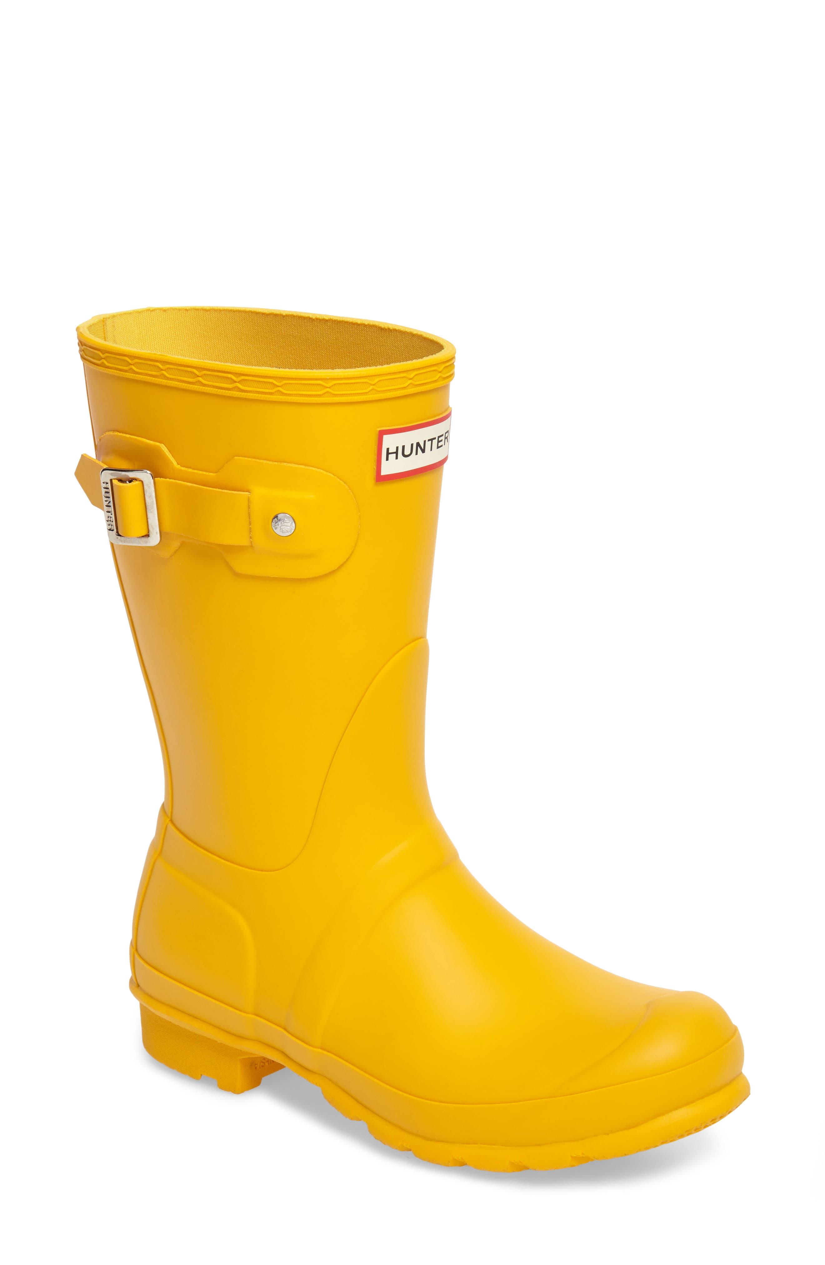 HUNTER, Original Short Waterproof Rain Boot, Main thumbnail 1, color, YELLOW/ YELLOW