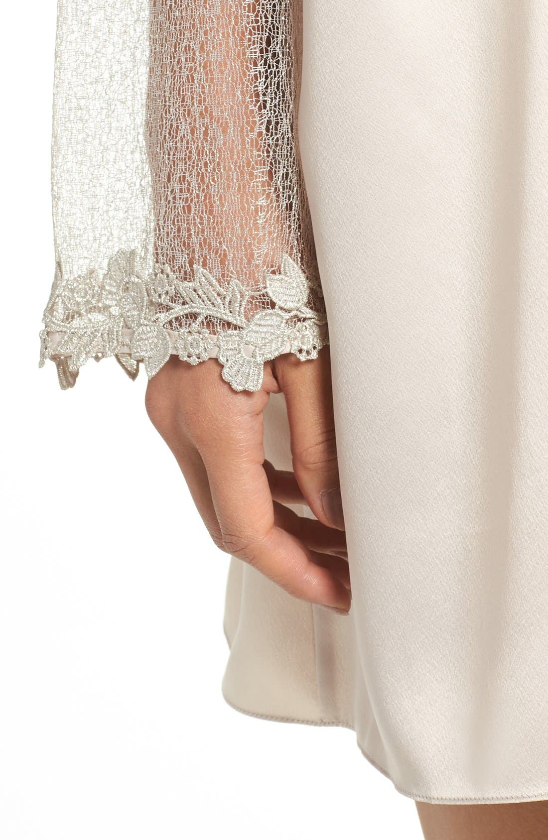 FLORA NIKROOZ, Showstopper Robe, Alternate thumbnail 4, color, CHAMPAGNE