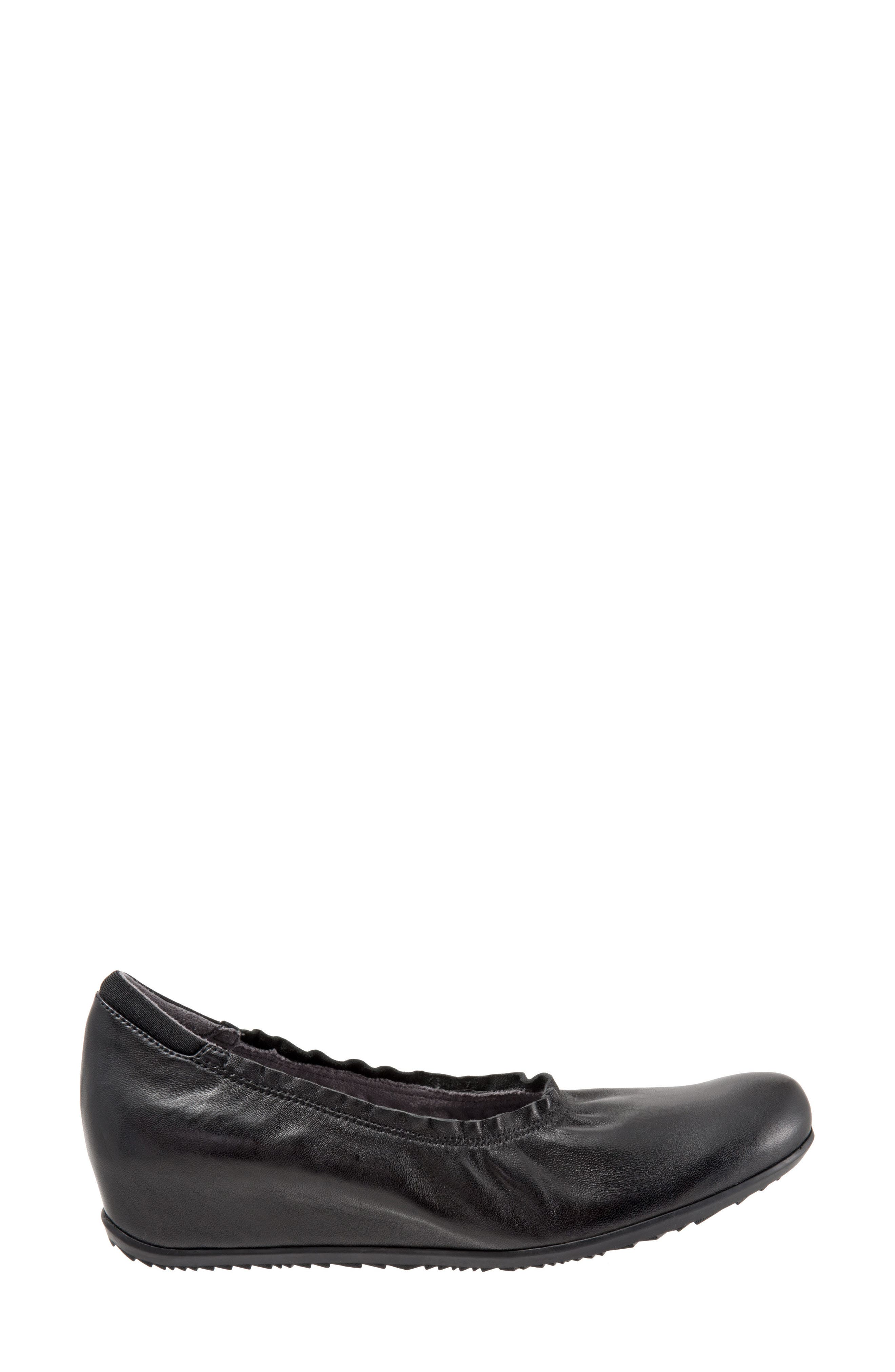 SOFTWALK<SUP>®</SUP>, Wish Ballet Wedge, Alternate thumbnail 3, color, BLACK LEATHER