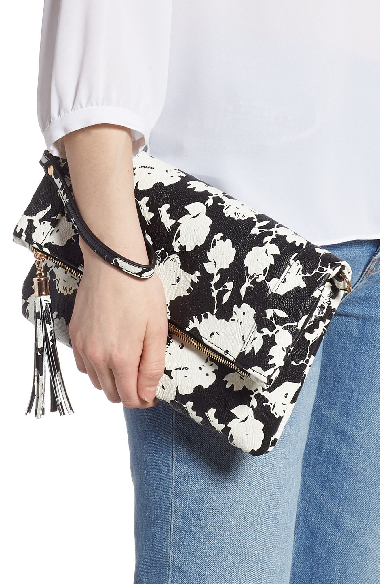 SOLE SOCIETY, 'Tasia' Print Foldover Clutch, Alternate thumbnail 3, color, BLACK FLORAL