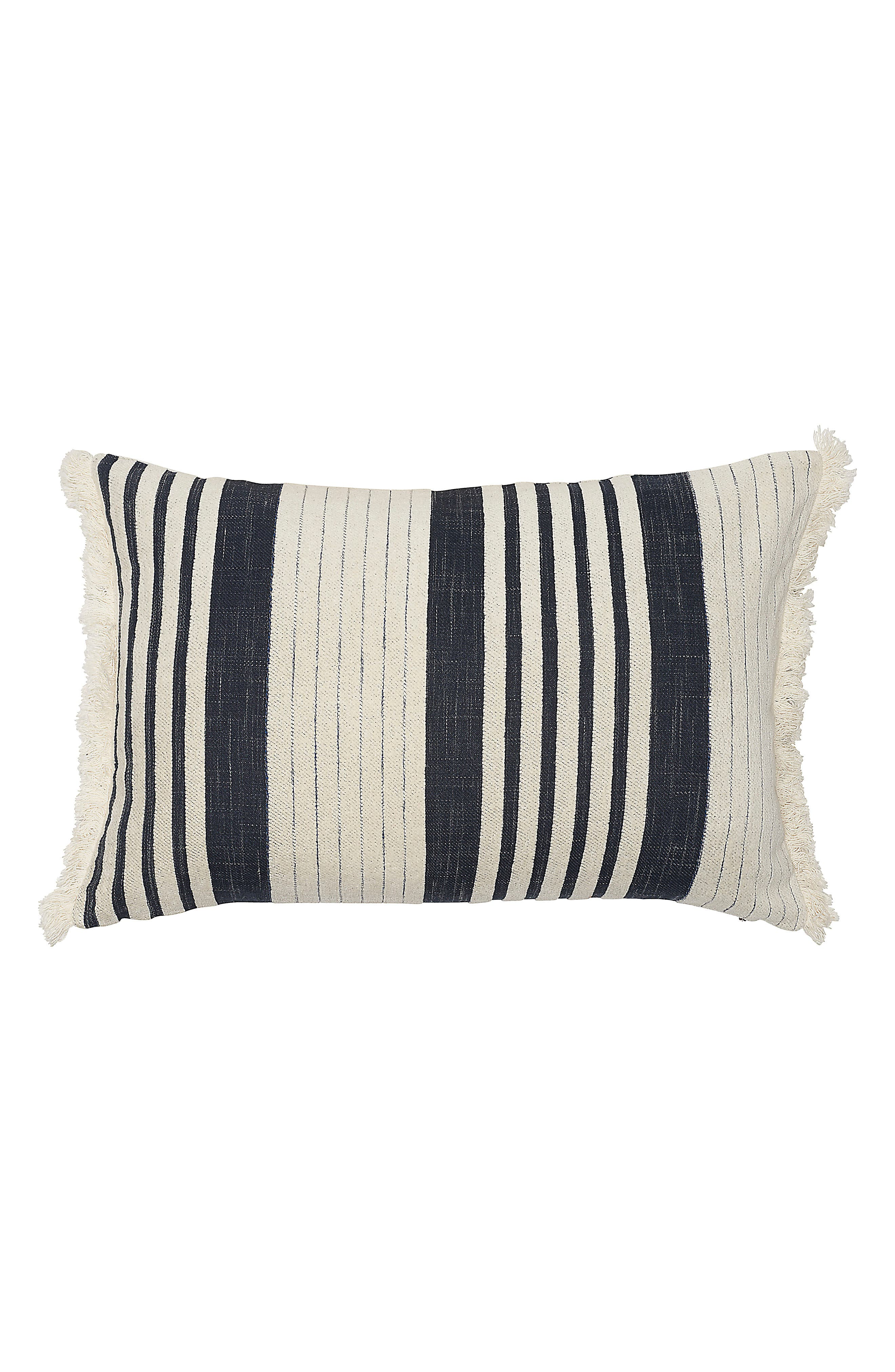 EADIE LIFESTYLE, Chilled Chenille Accent Pillow, Main thumbnail 1, color, NAVY/ WHITE